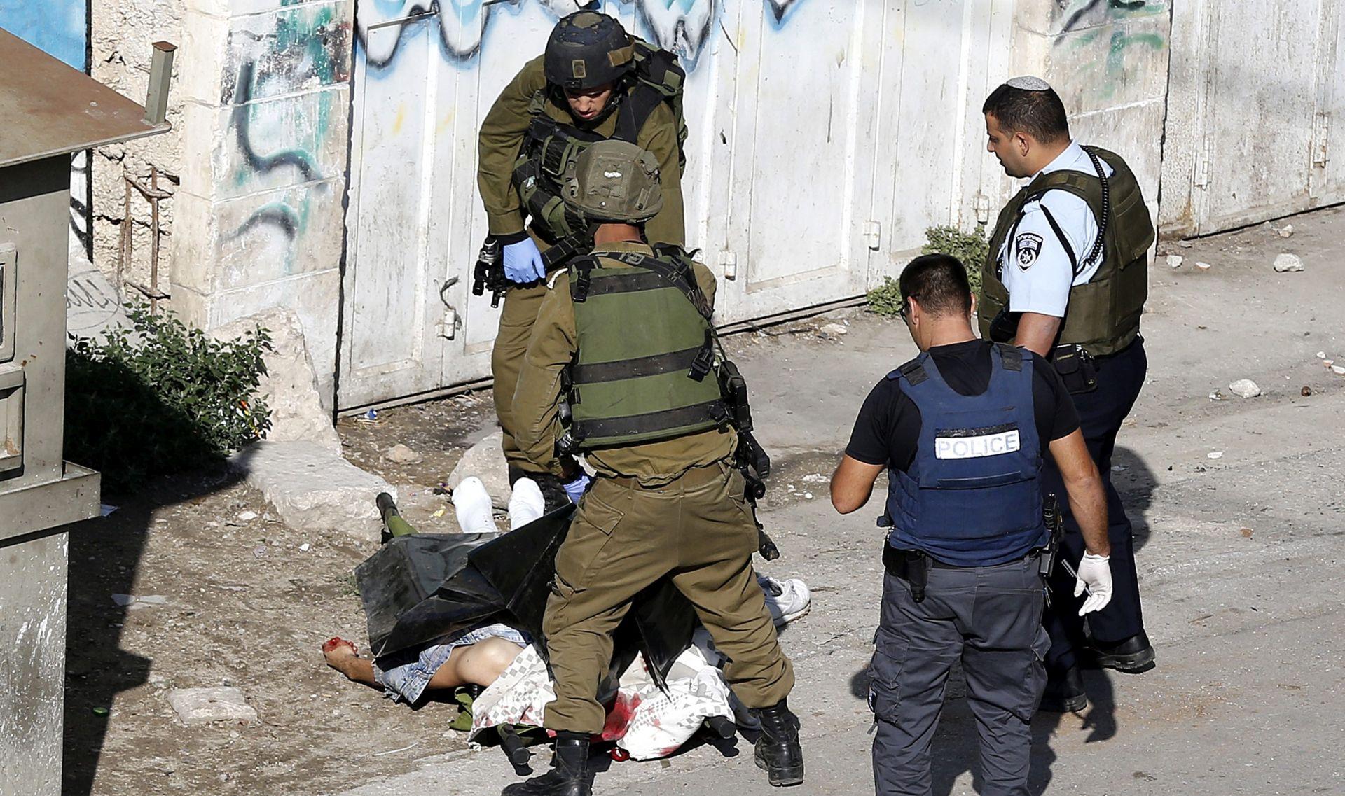 NASILJE I DALJE TRAJE: Dva Palestinca ubijena nakon napada izraelskih vojnika