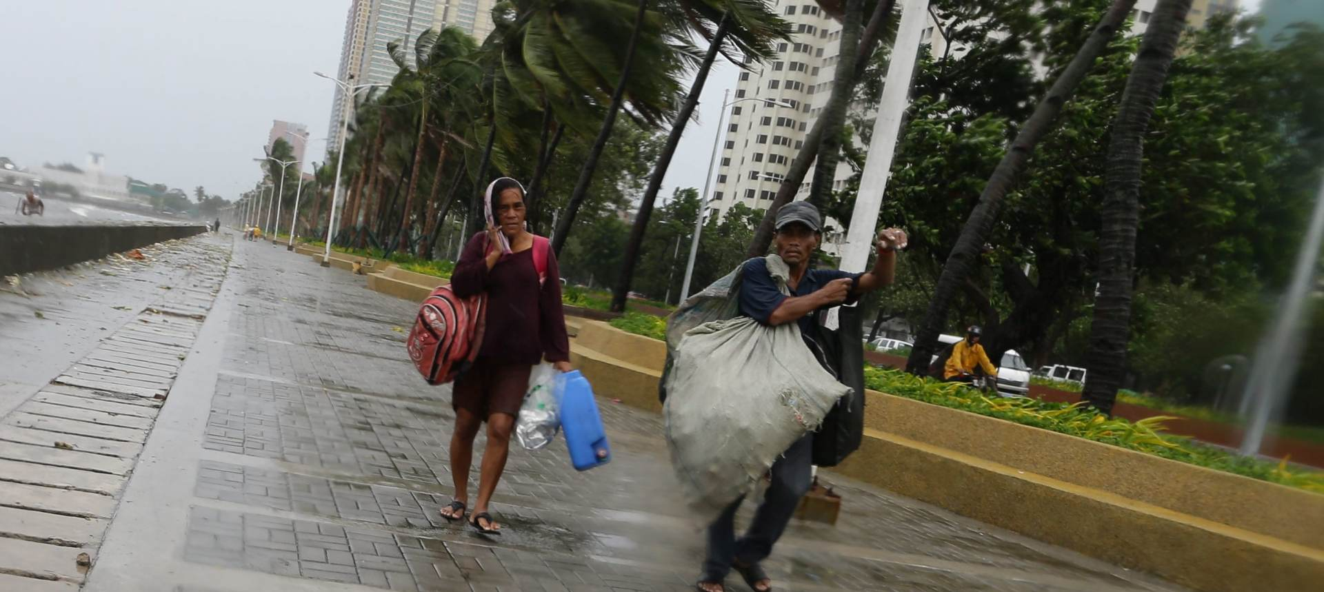 KOPPU: Snažan tajfun zahvatio Filipine