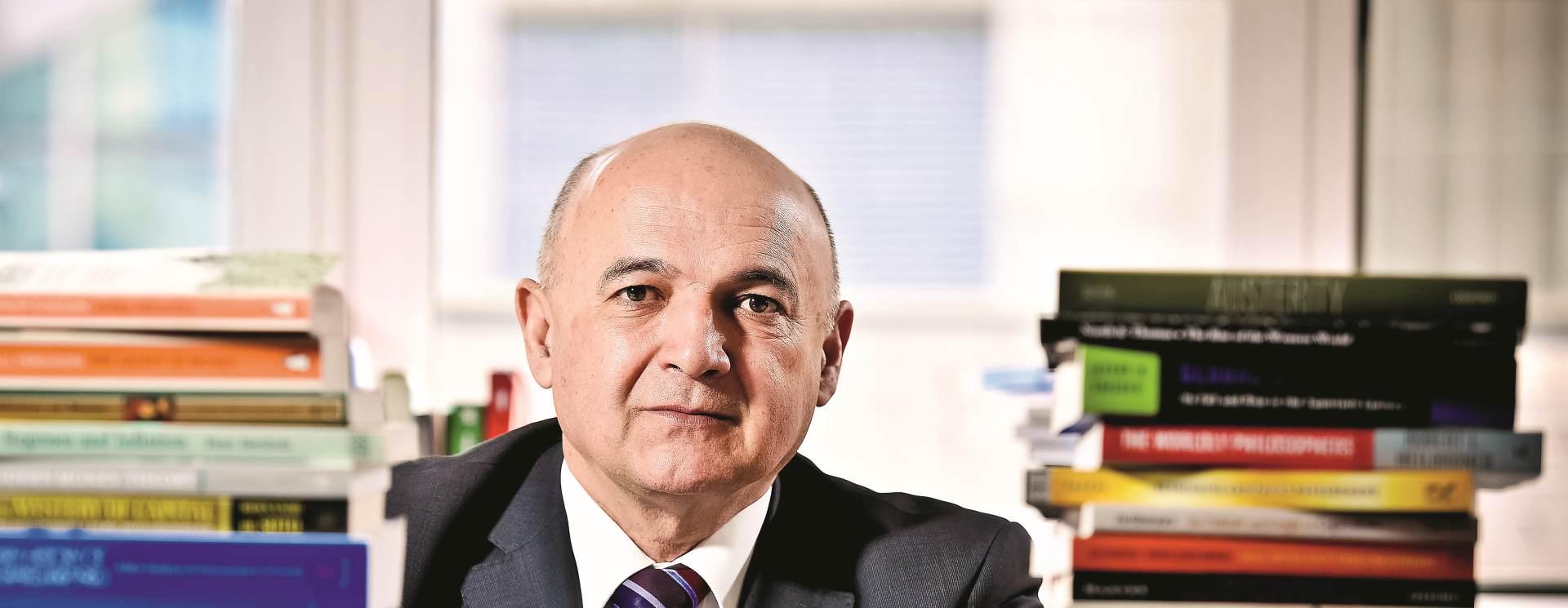 GOST KOLUMNIST Ljubo Jurčić: Programi HDZ-a i SDP-a pokazuju da će Hrvatska dugo čekati bolji život
