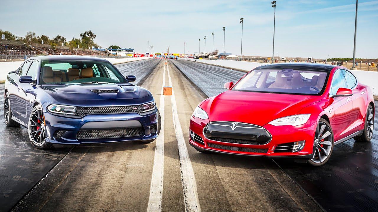 "Tesla S protiv ""Paklene mačke"""