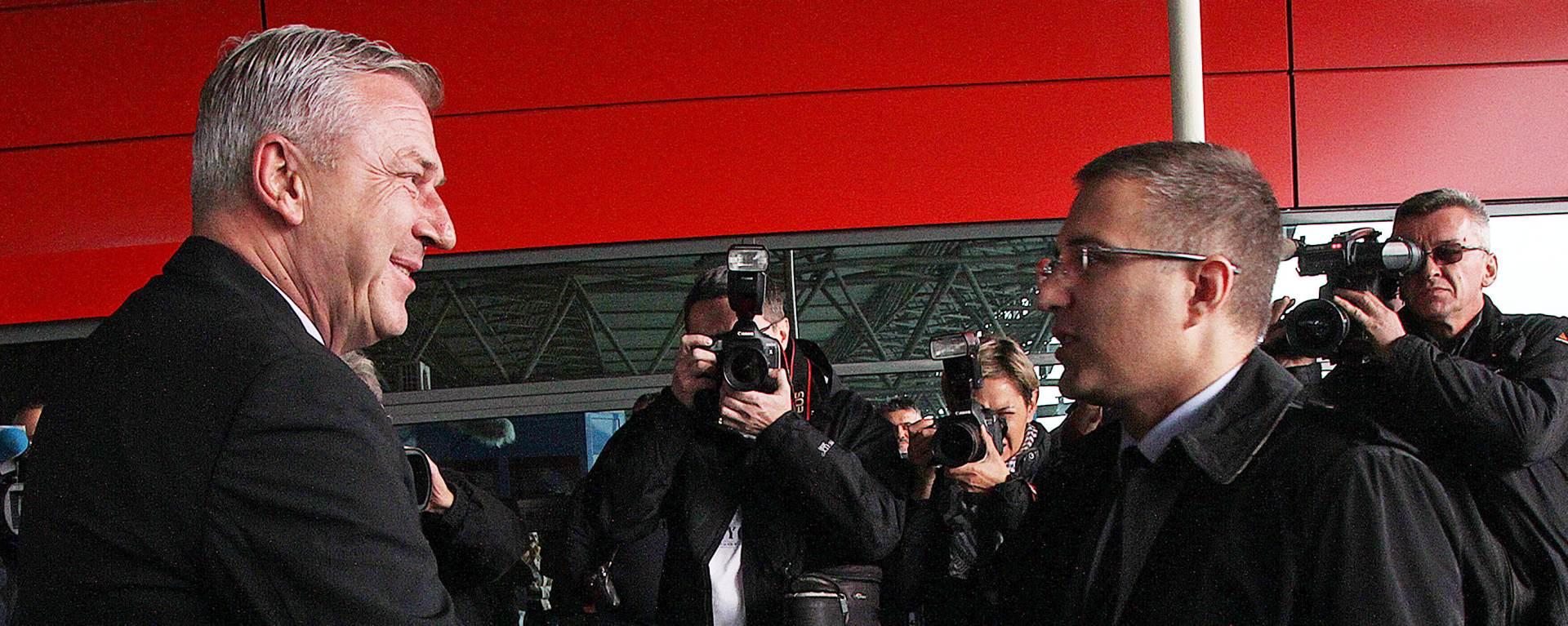 IZBJEGLIČKA KRIZA: Ostojić i Stefanović dogovorili mehanizme krize na granici