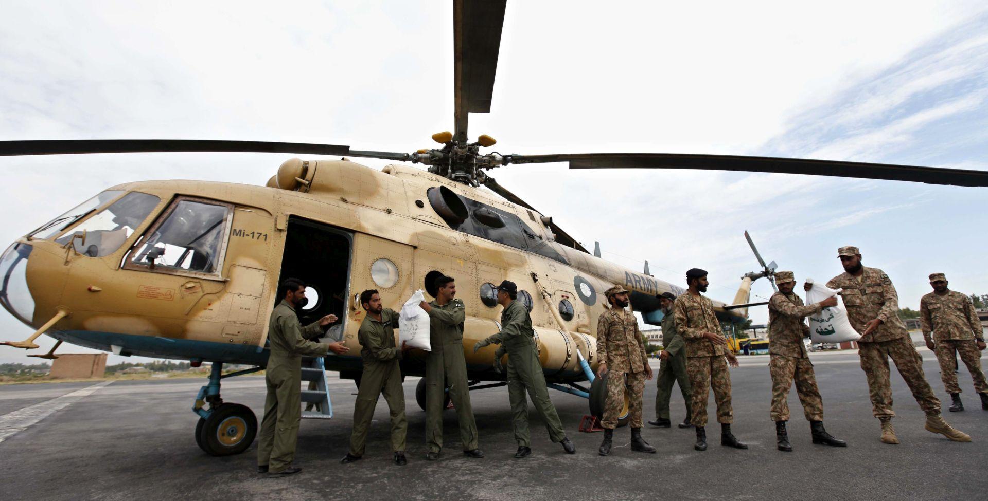 NAJMANJE 300 MRTVIH: Pakistan šalje helikoptere na područja nedostupna nakon potresa