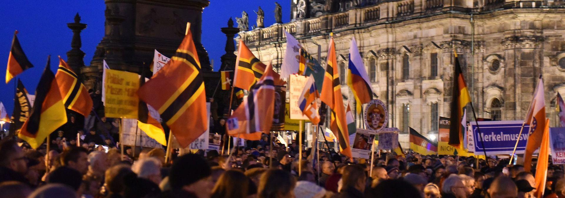 'IZVAN UPORABE' Pegida se ispričala zbog izjave o nacističkom logoru
