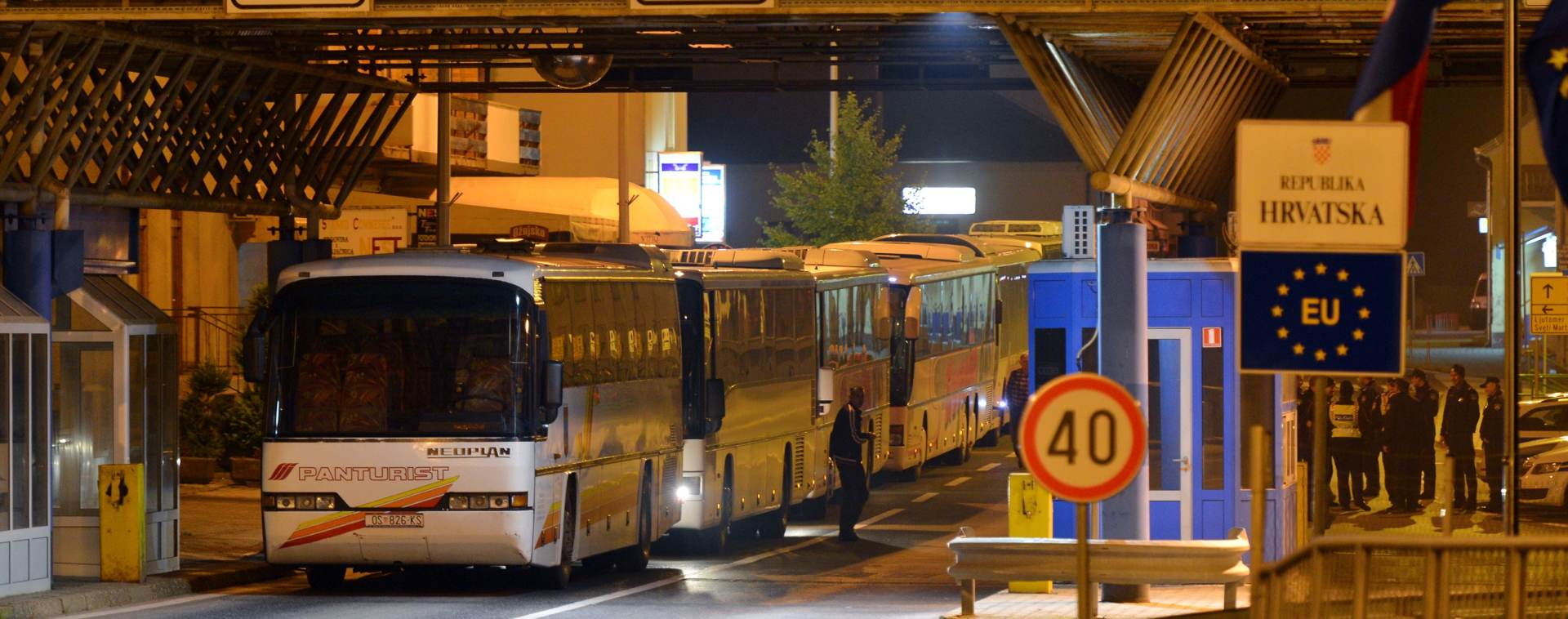 PREPUNI KAPACITETI: Austrija obavijestila Sloveniju da prestaje primati migrante