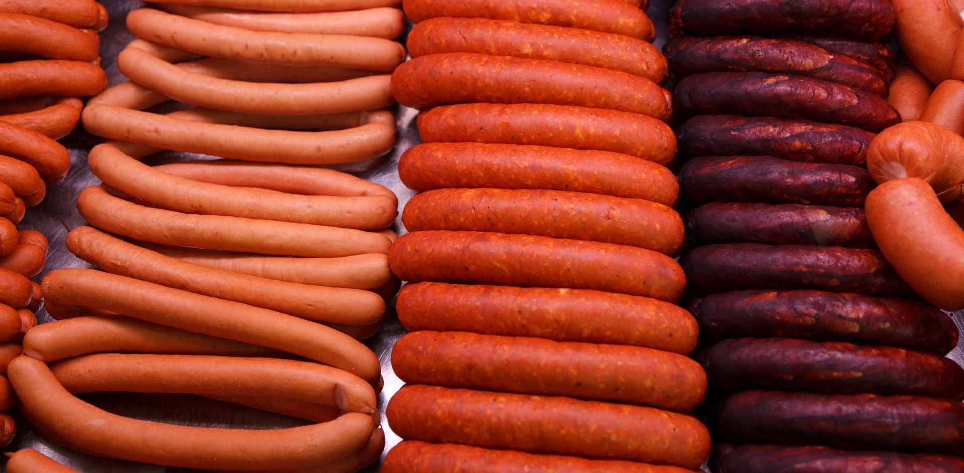 WHO UPOZORAVA Prerađeno crveno meso jednako kancerogeno kao duhan, alkohol ili azbest