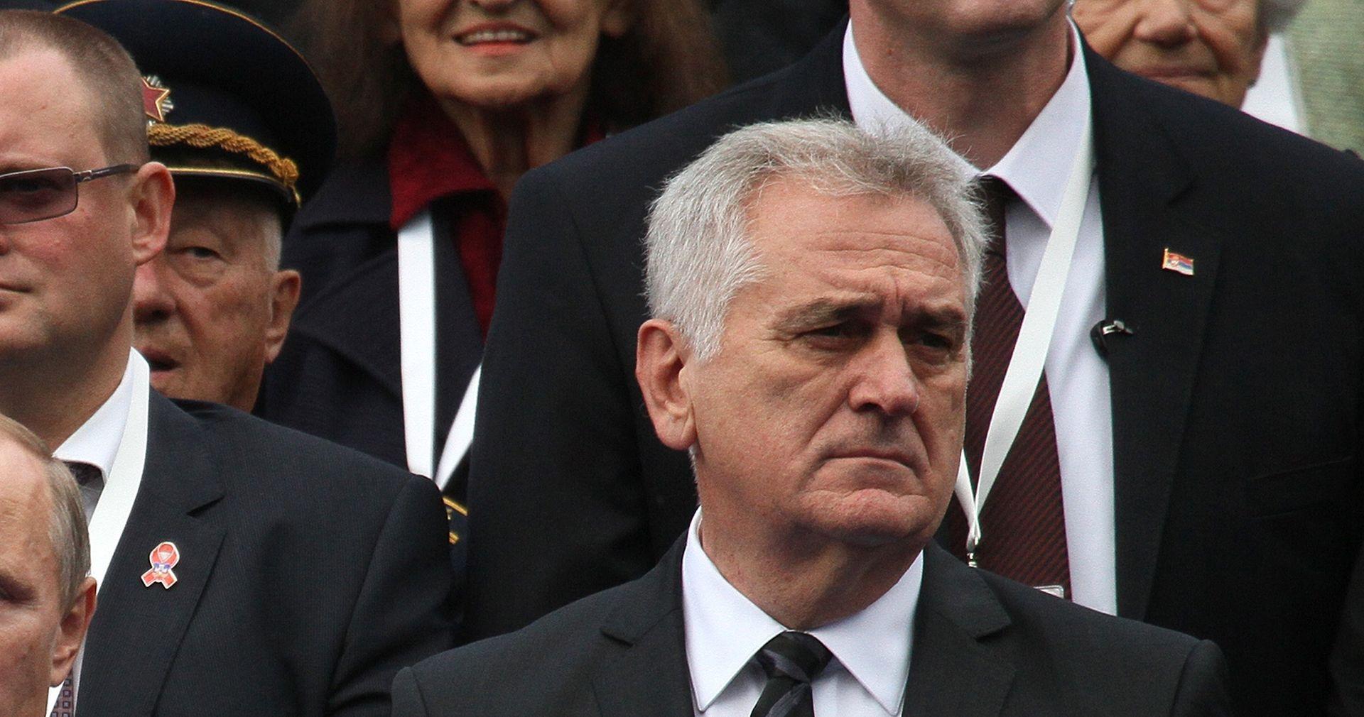 SPOMENIK MILOŠEVIĆU Nikolić: 'Podijeljen sam kao i cijela Srbija, podići obilježje ili ne'