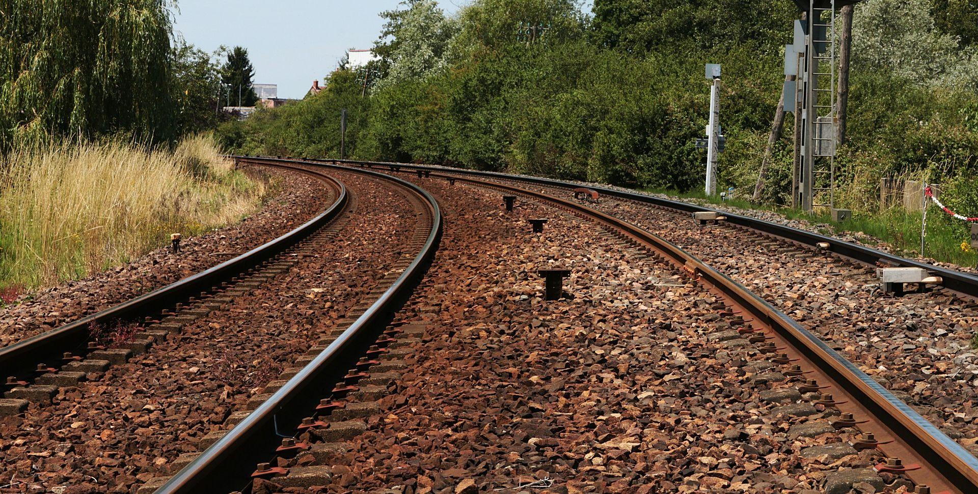 Teretni vlak izletio s tračnica kod Mostara, u prekidu promet prema Pločama