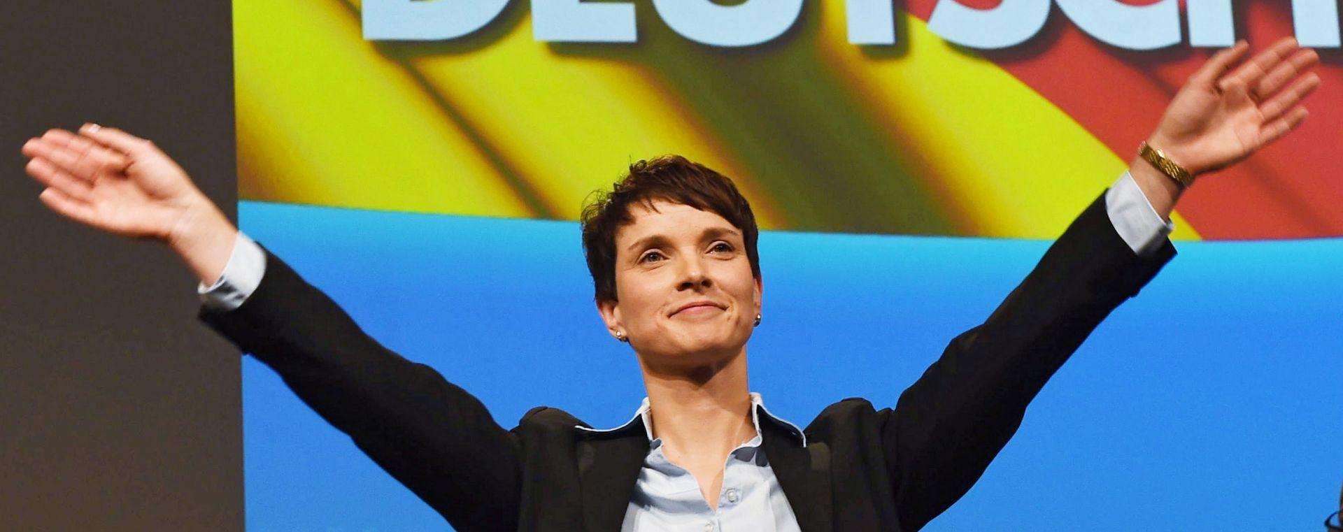 """ČELNICA NJEMAČKE PROTUIMIGRACIJSKE STRANKE:  """"Merkel, dajte ostavku. Vi to možete"""""""