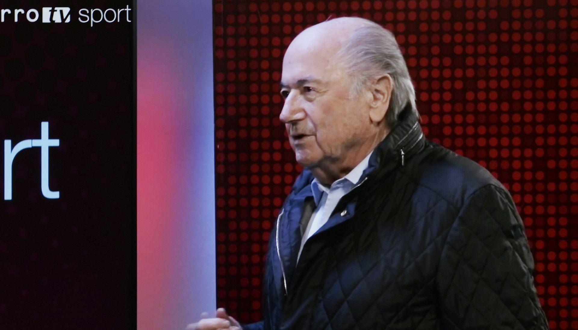 BLATTER PONOVNO U BOLNICI Suspendirani predsjednik FIFA-e doživio 'mali slom'