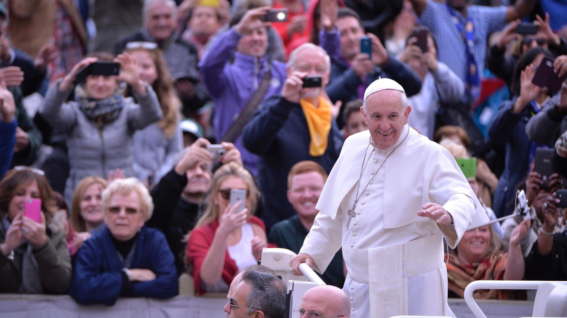 Papa otkrio što je htio biti kao dječak pa poslao poruku rastrošnim kardinalima