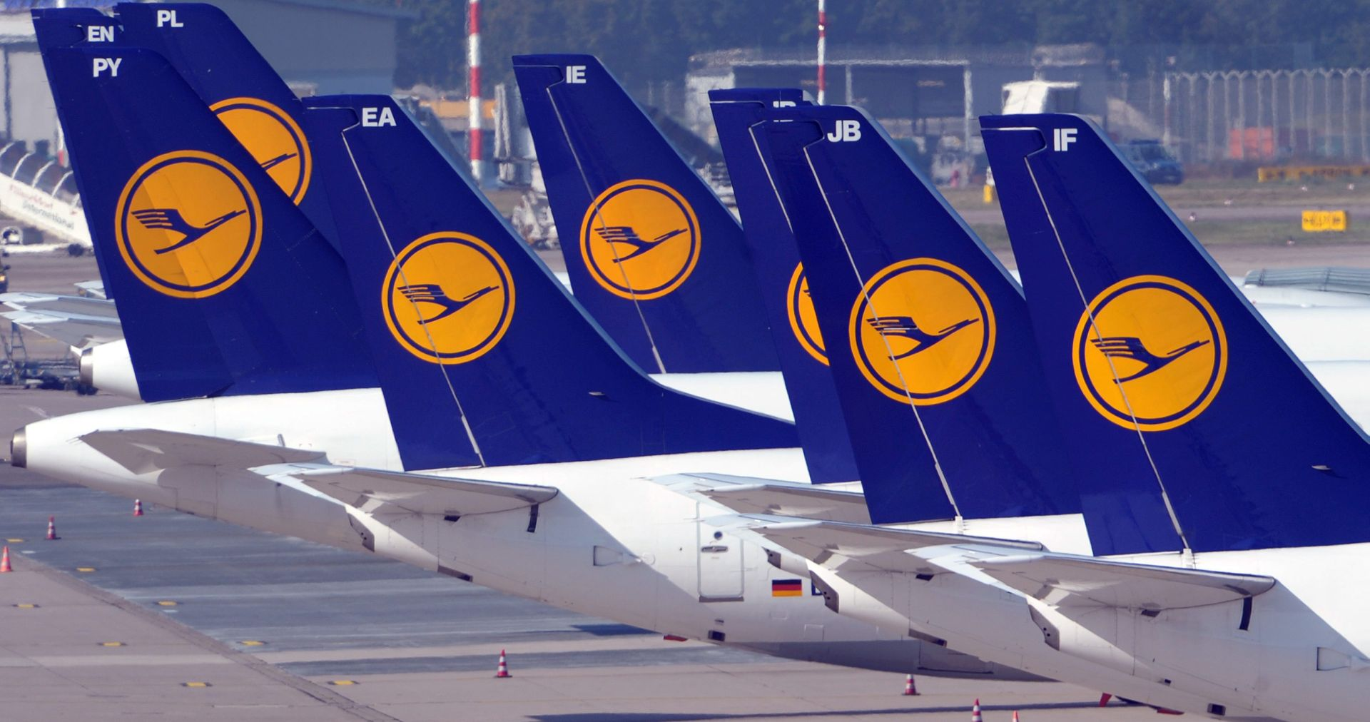 LUFTHANSA: Piloti nastavljaju štrajk, prizemljeno više od 800 letova