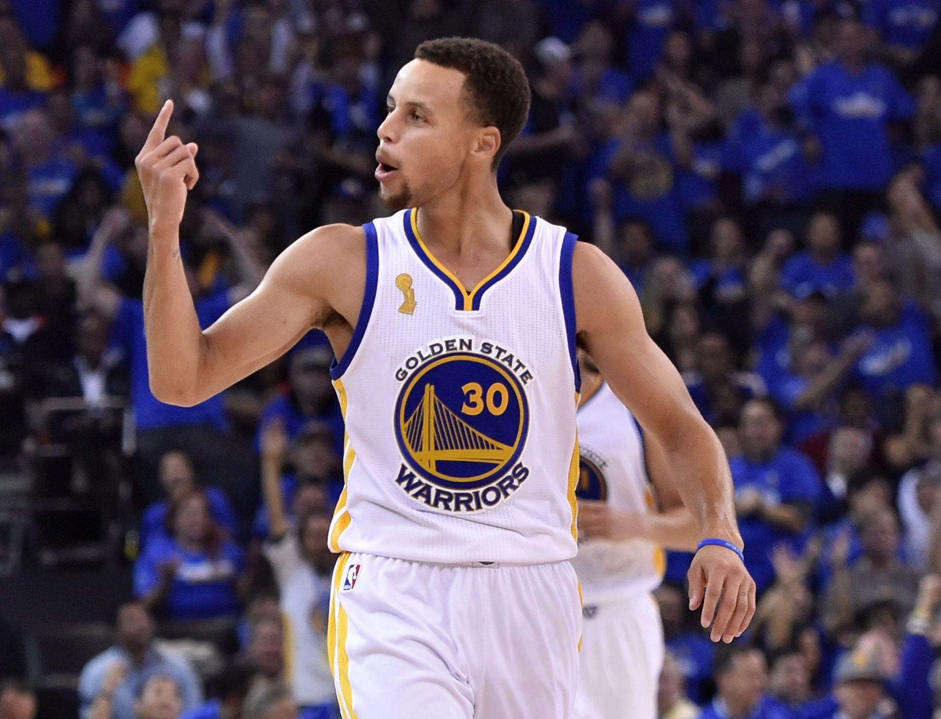 NBA Curry zabio 27 koševa na svoj 28. rođendan