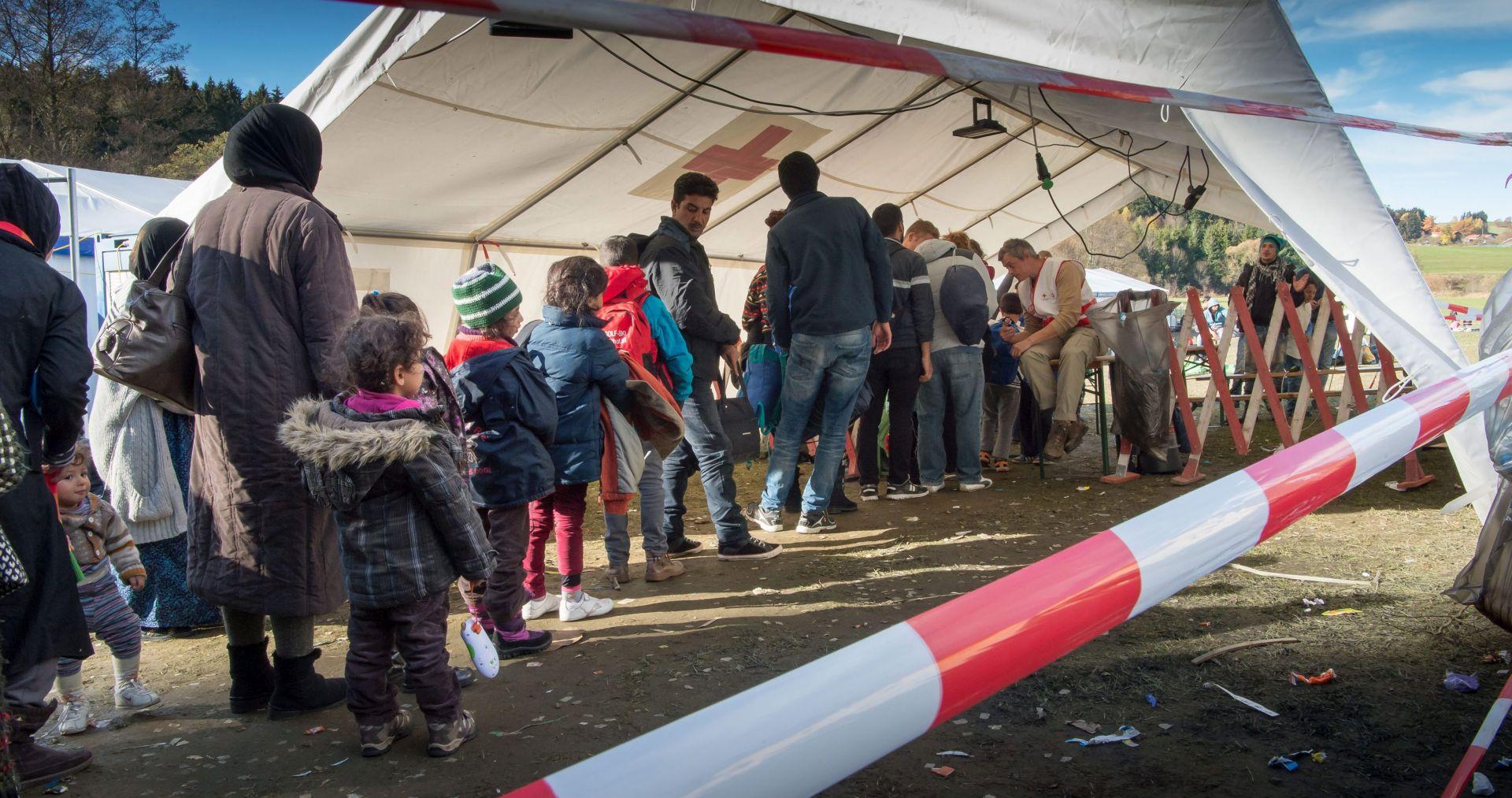 NJEMAČKA VRAĆA 50 TISUĆA MIGRANATA U ALBANIJU Mađarska želi na sudu poništiti plan europske podjele migranata