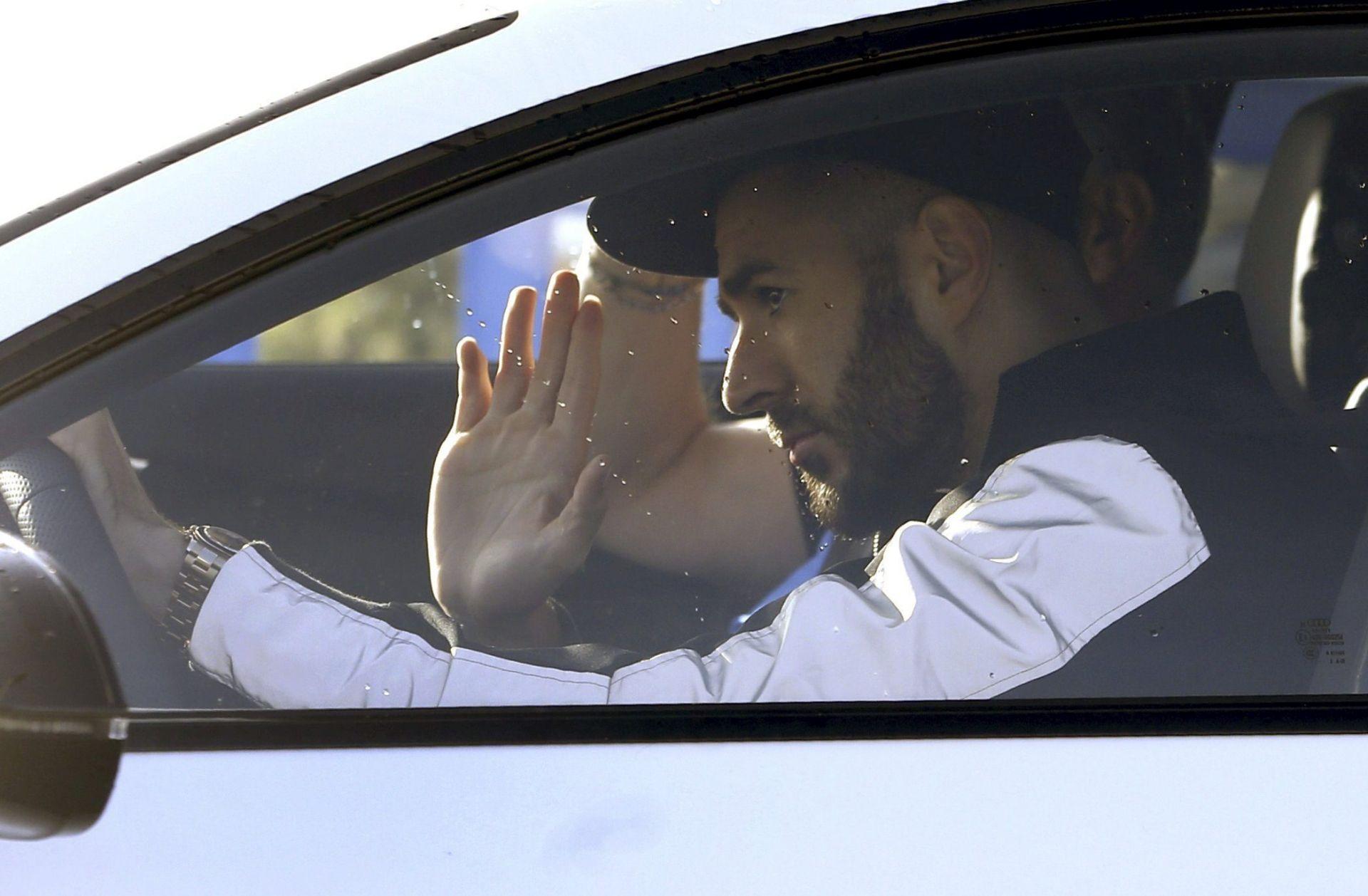"""PEREZ I REAL MADRID STALI IZA BENZEME """"Ima našu punu podršku, vjerujemo kako je sva napravio u dobroj namjeri"""""""