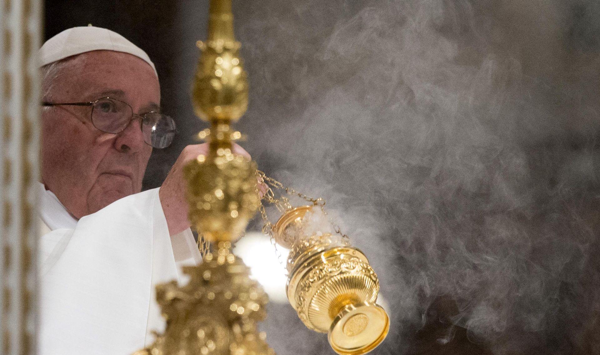 VATILEAKS 2 Vatikan otvorio istragu protiv novinara zbog curenja dokumenata