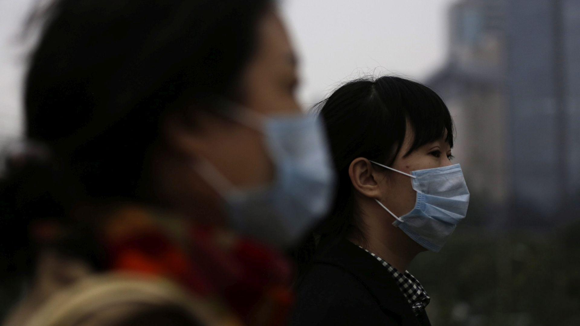'NE IZLAZITE VAN' Najgori smog ove zime prekrio Peking, razine zagađenja 20 puta premašile sigurnosni limit