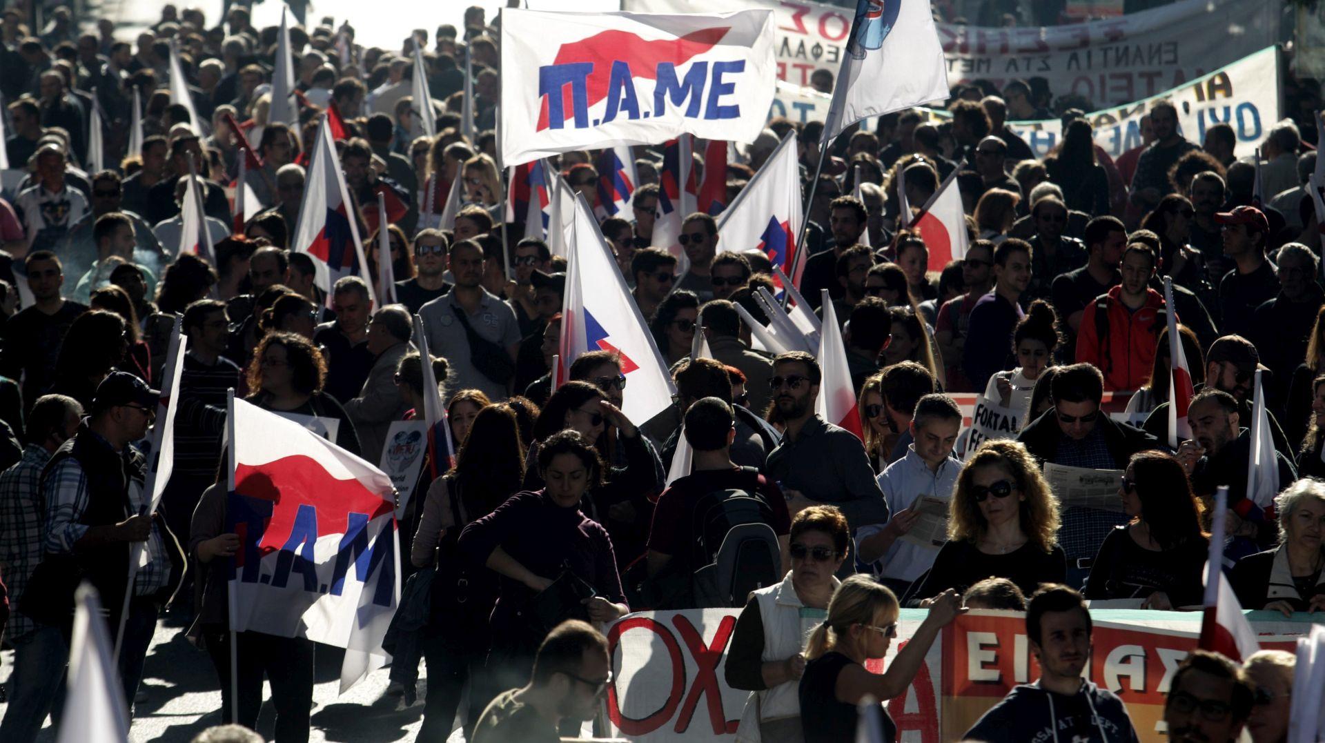 Tisuće Grka na ulicama protiv mjera štednje