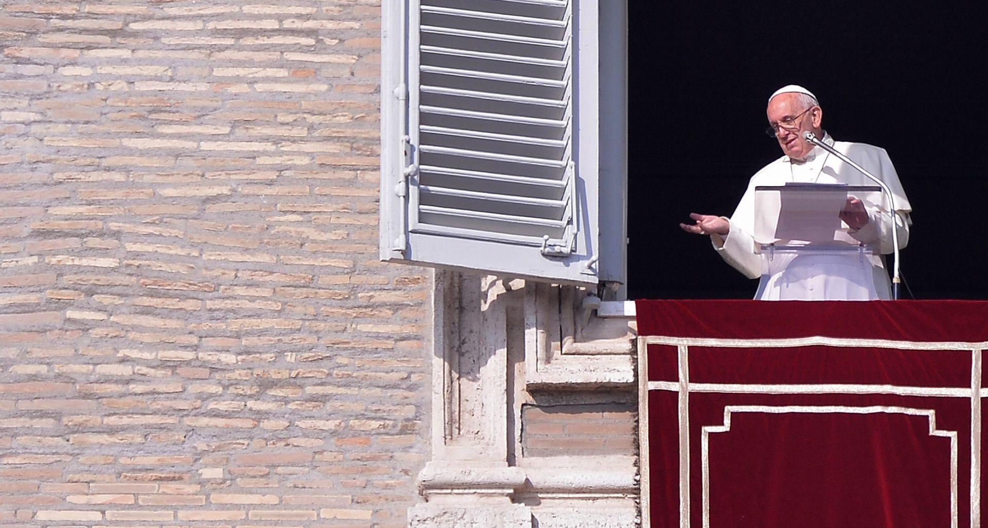 Papa Franjo: Nasilje u ime Boga je bogohuljenje