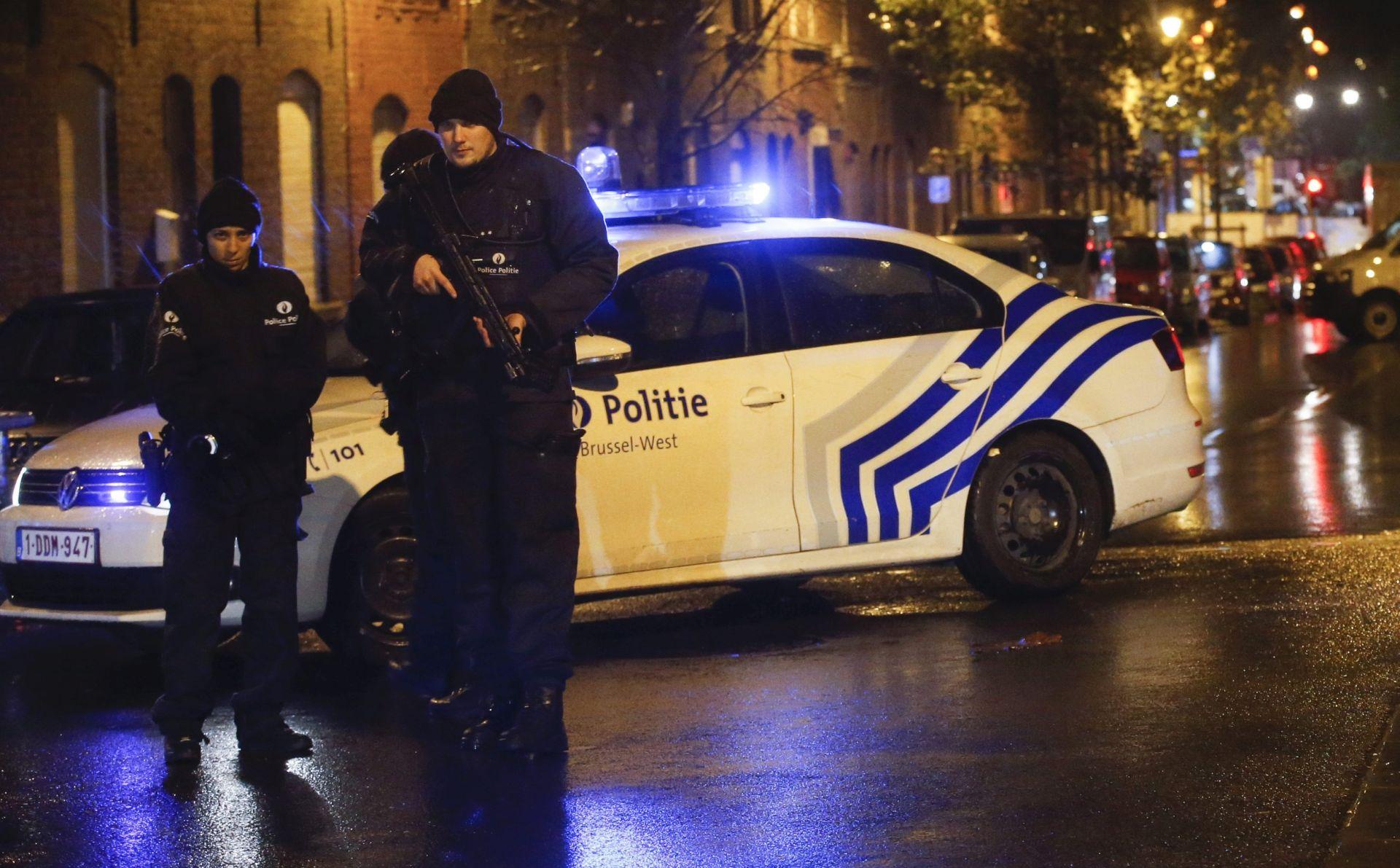 Francuska policija: Osmi terorist mogao bi otputovati u Španjolsku