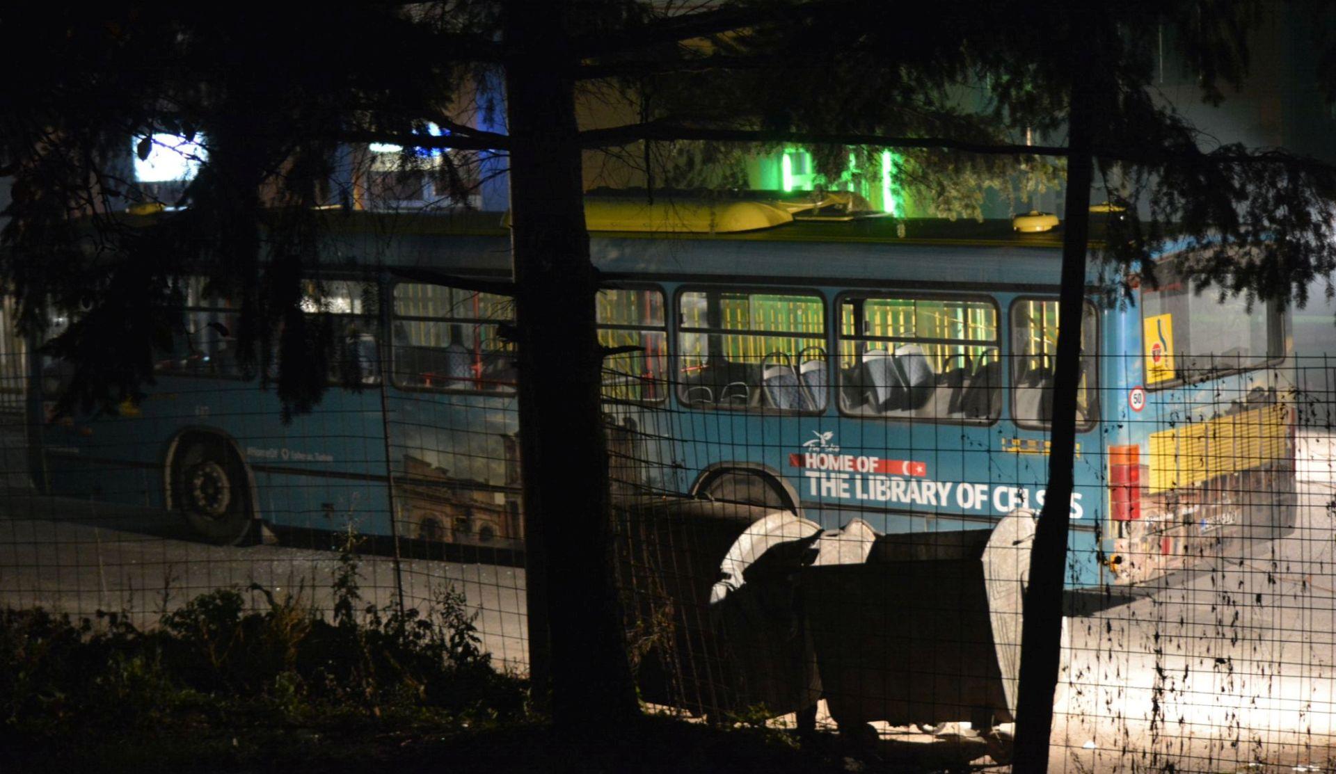 FOTO/VIDEO: NAPADAČ SE RAZNIO BOMBOM U pucnjavi u Sarajevu ubijena dva vojnika oružanih snaga BiH