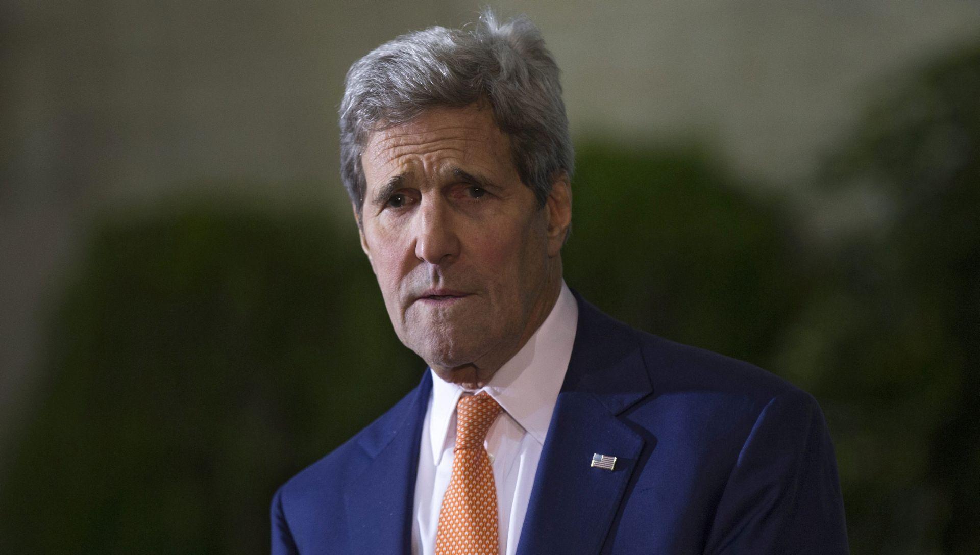 ZABRINUTOST ZBOG SPOROG NAPRETKA: John Kerry u srijedu u posjetu Prištini