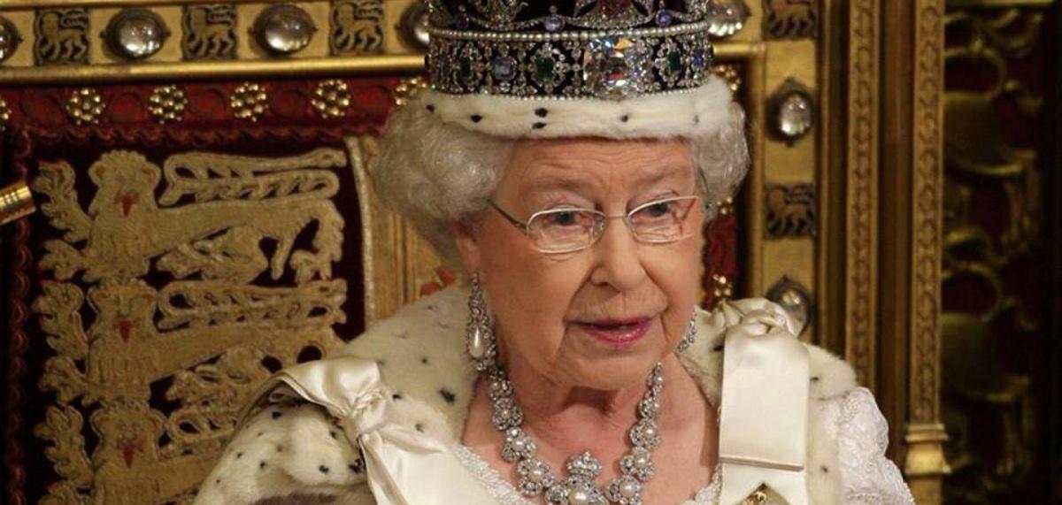 VIDEO: Umjetničko djelo kraljice Elizabete od auto dijelova