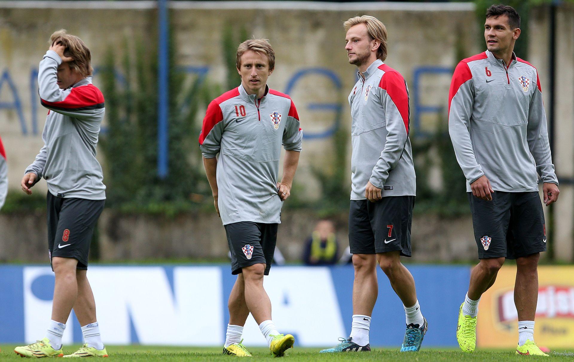 IDEALNA MOMČAD GODINE Ivan Rakitić i Luka Modrić među nominiranima za WORLD XI 2015