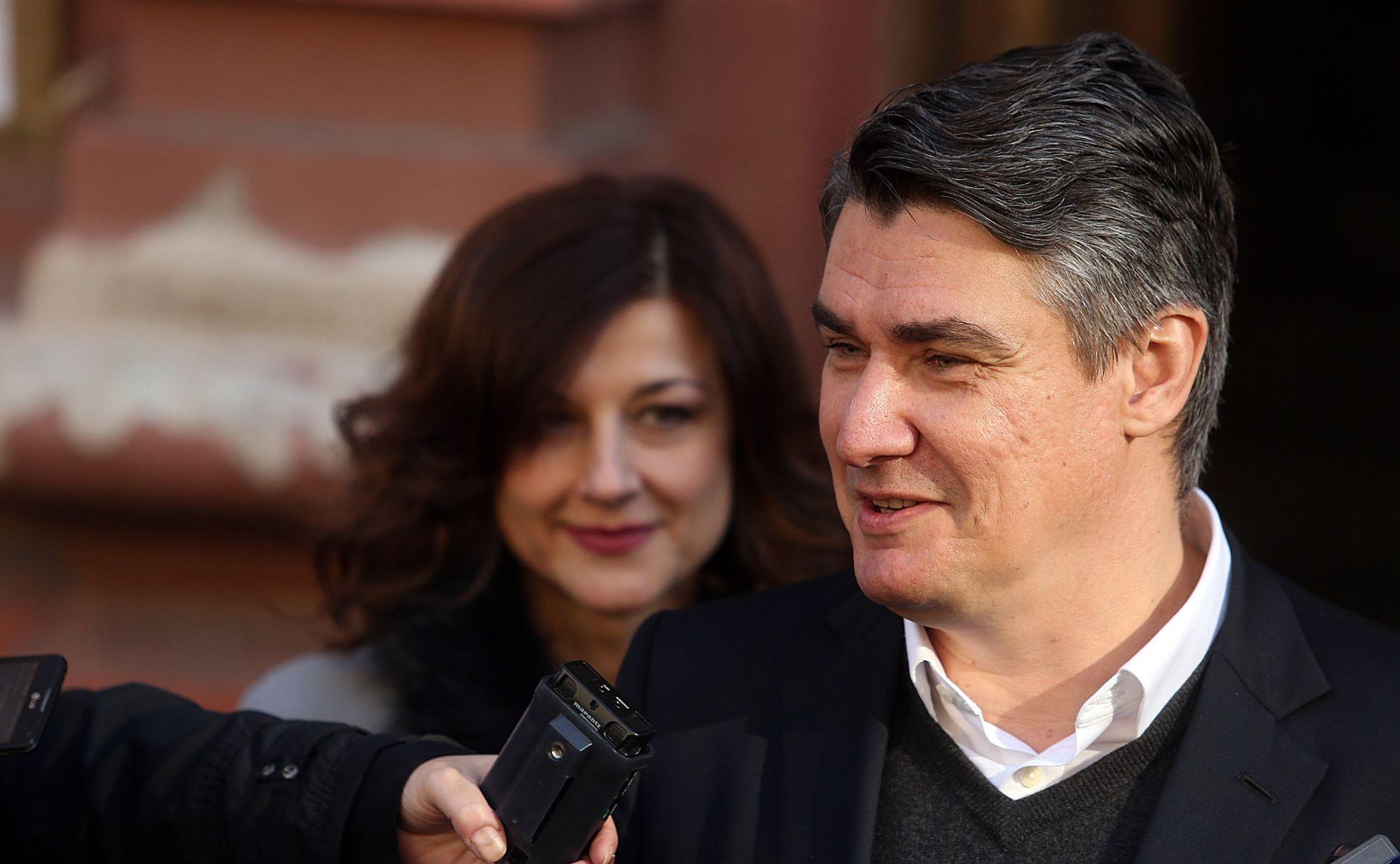 Sedam od osam manjinskih zastupnika potpisalo podršku Milanoviću