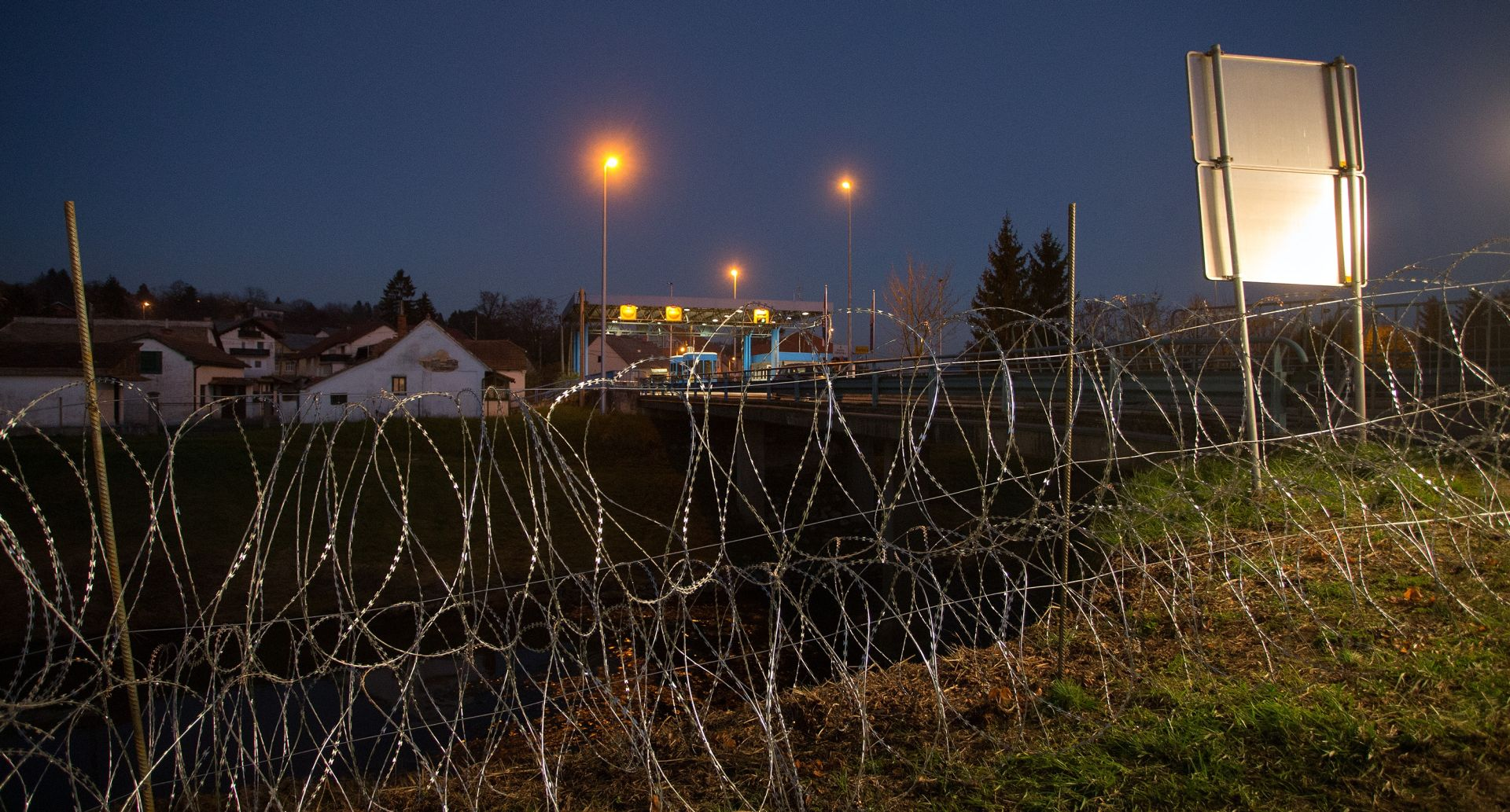 MVEP oštro prosvjedovao jer je Slovenija postavila žicu na teritoriju Hrvatske, Slovenija demantira da su prešli granicu