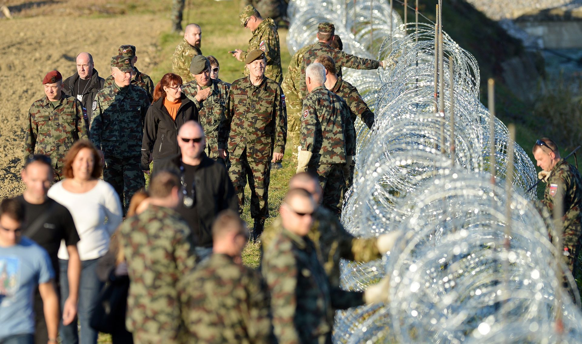 SLOVENIJA I AUSTRIJA ZATVARAU GRANICE? Srbi tvrde da inicijativa dolazi iz Slovenije, oni demantiraju