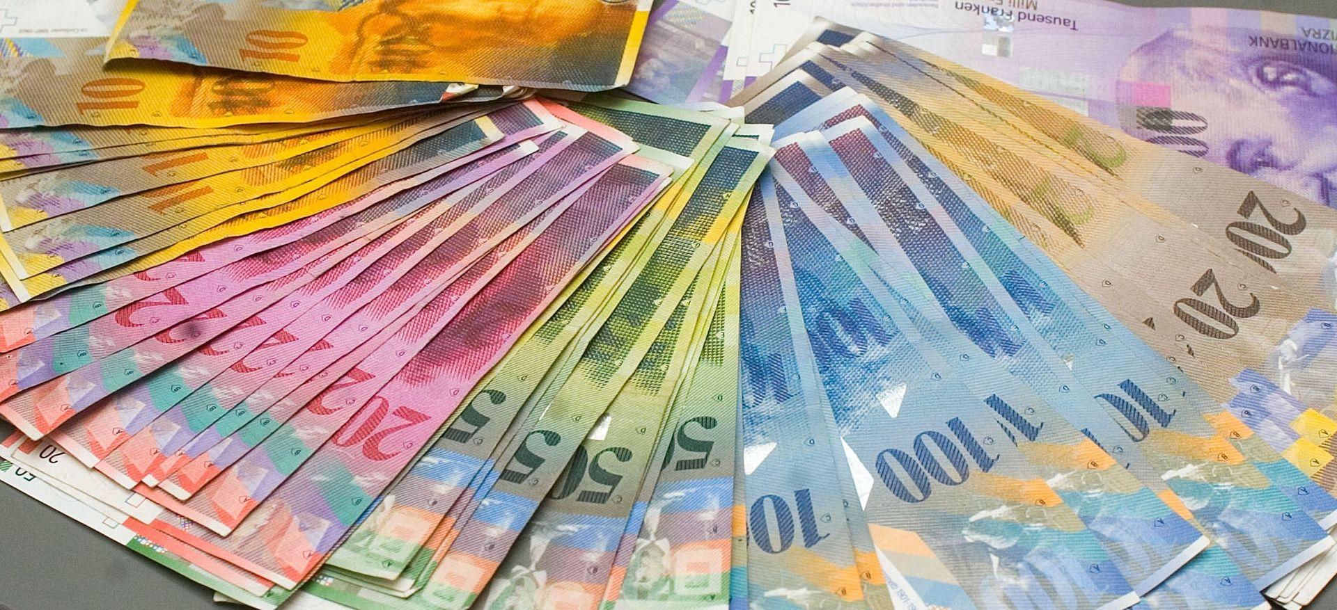 Banke bez komentara odluke Ustavnog suda, tvrde da se drže zakona