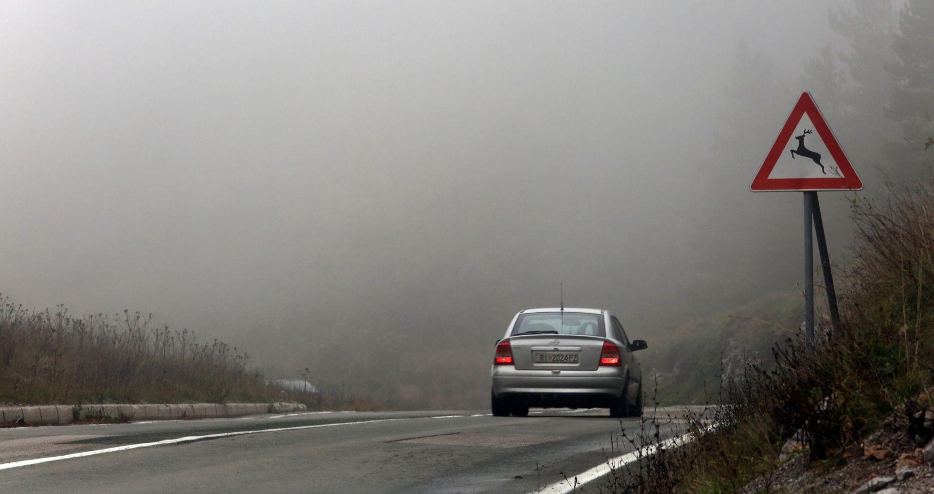 HAK Kolnici mokri i skliski, magla smanjuje vidljivost i usporava vožnju