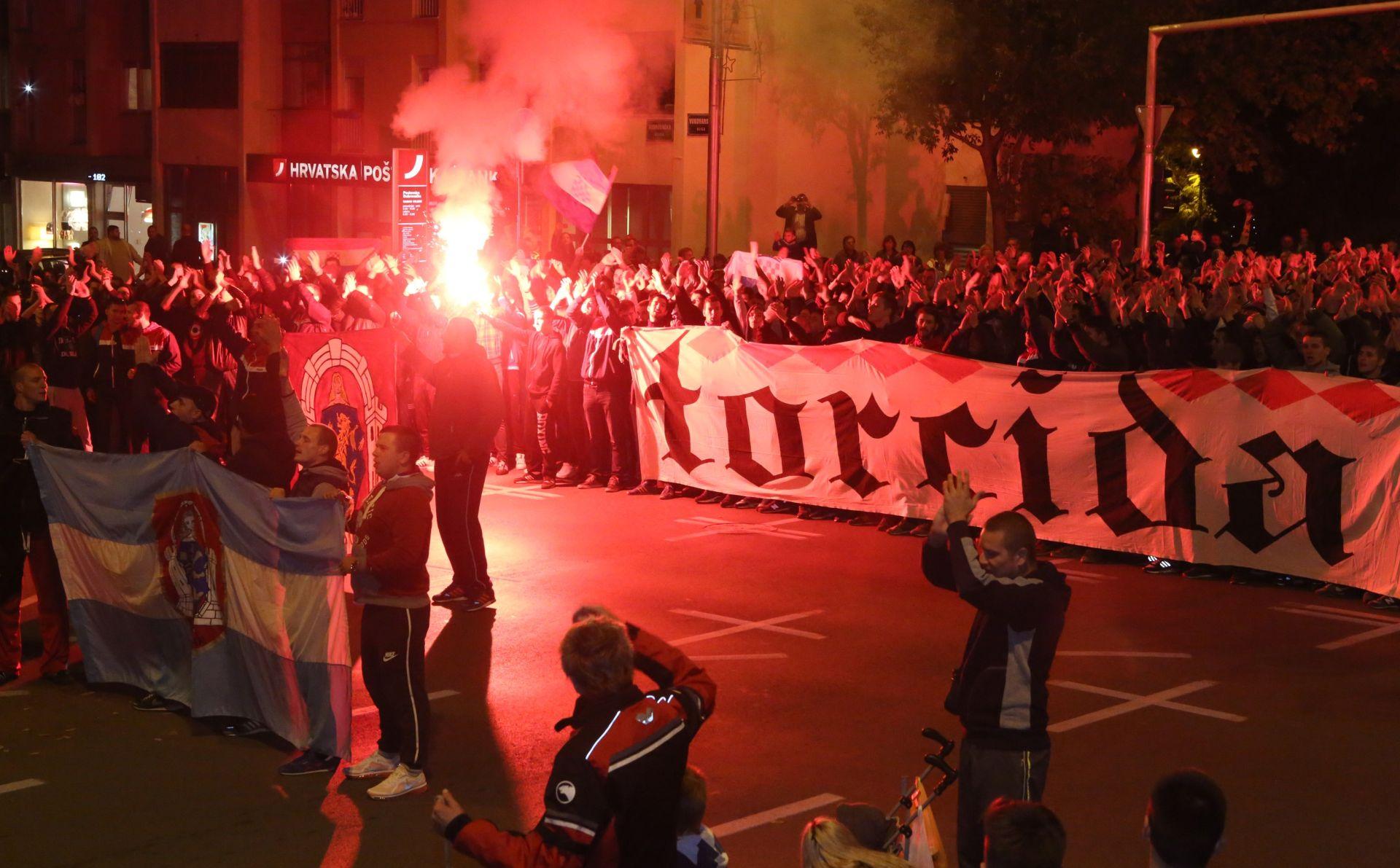 FOTO: SPLIT Torcidin mimohod za žrtve Vukovara