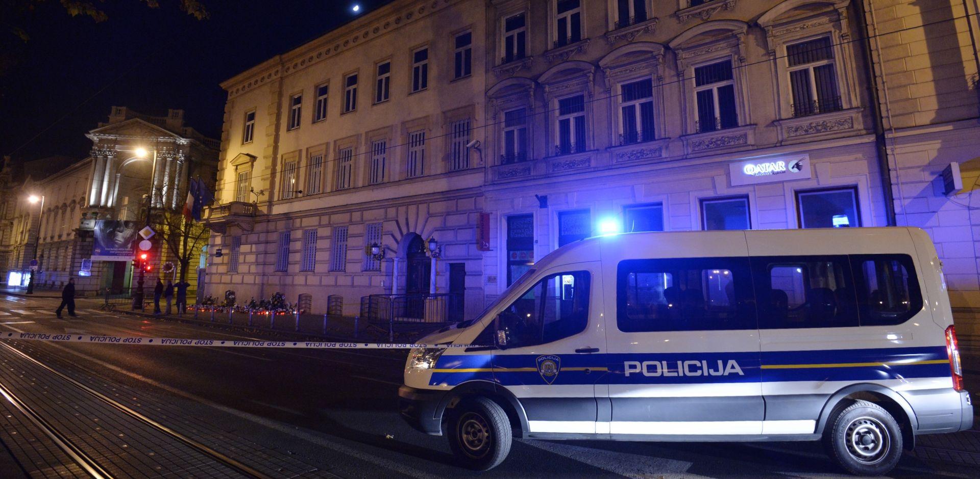 FOTO: Preko puta francuskog Veleposlanstva pronađena torba, protueksplozijski pregled negativan