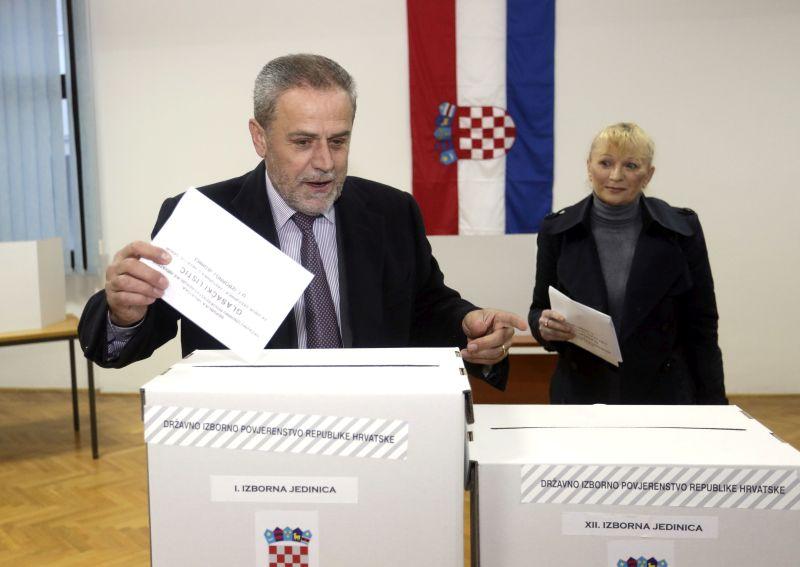RANORANILAC: Milan Bandić glasovao odmah po otvaranju birališta