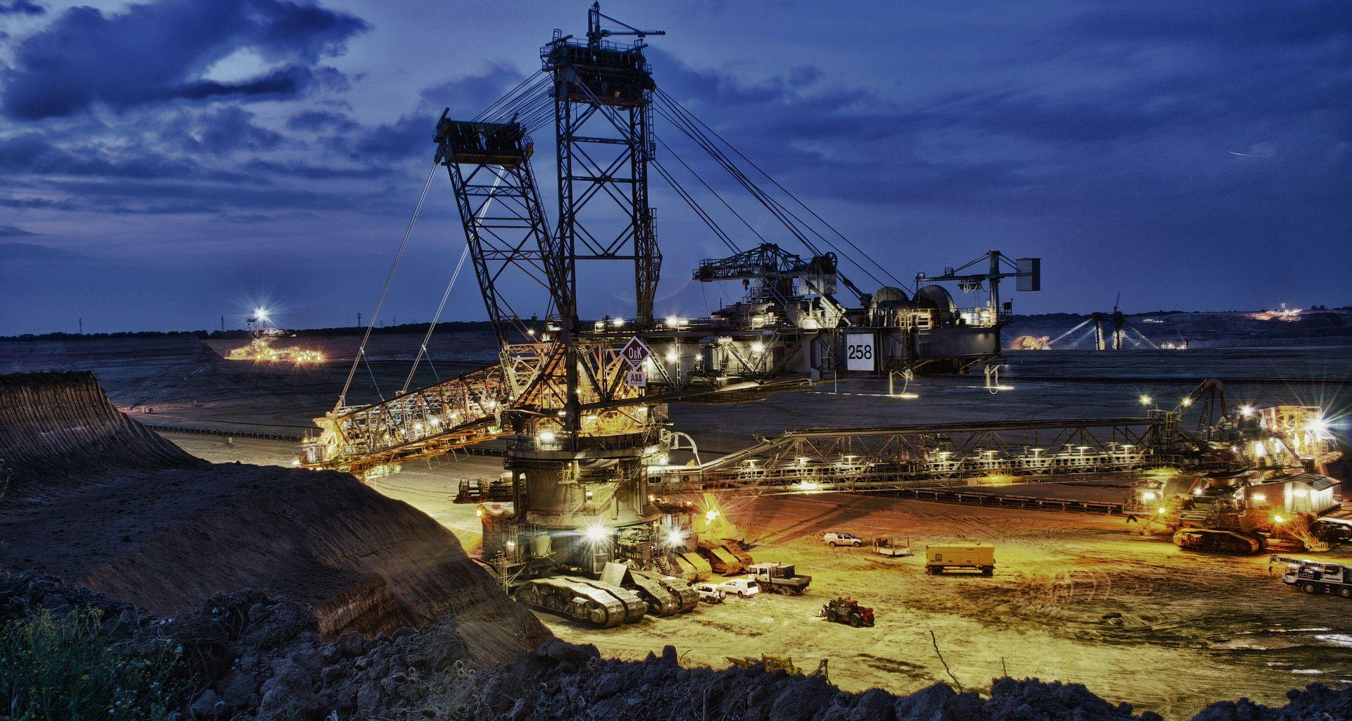 UZROK JOŠ NEPOZNAT Požar u rudniku ugljena u Kini, poginula 21 osoba