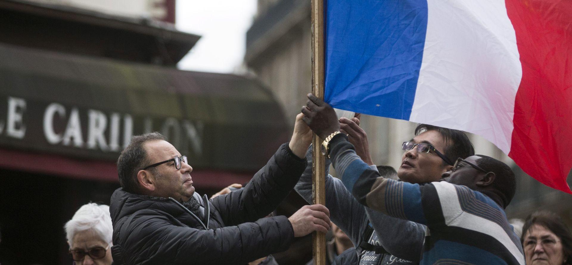 Francuska i Europa minutom šutnje odala počast žrtvama napada u Parizu