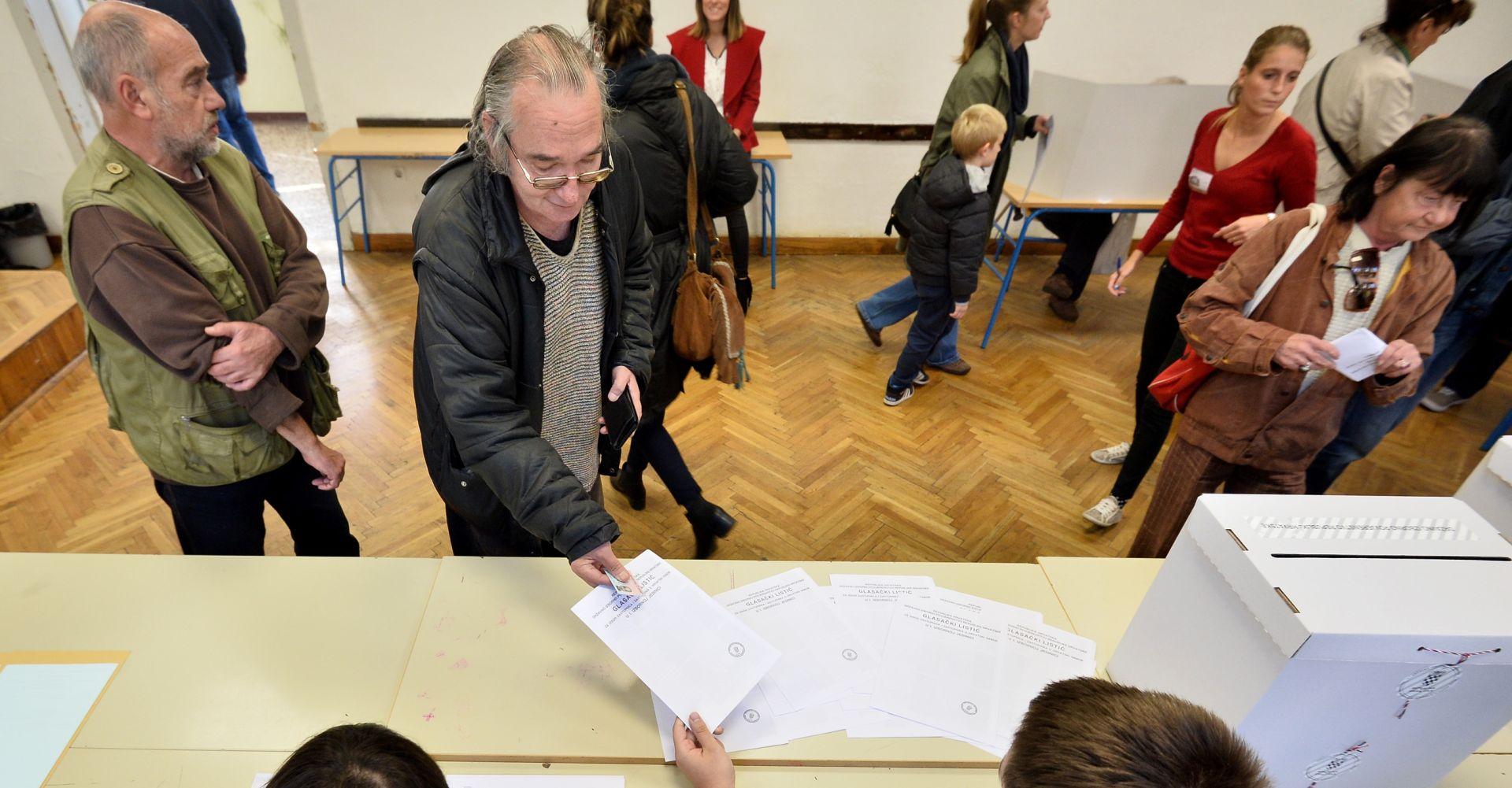 ODLIČAN ODAZIV: Do 11.30 sati na izbore je izašlo 685.837 birača
