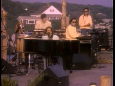 VIDEO: CARLY SIMON NAPOKON OTKRILA Pjesma 'You're So Vain' posvećena je…