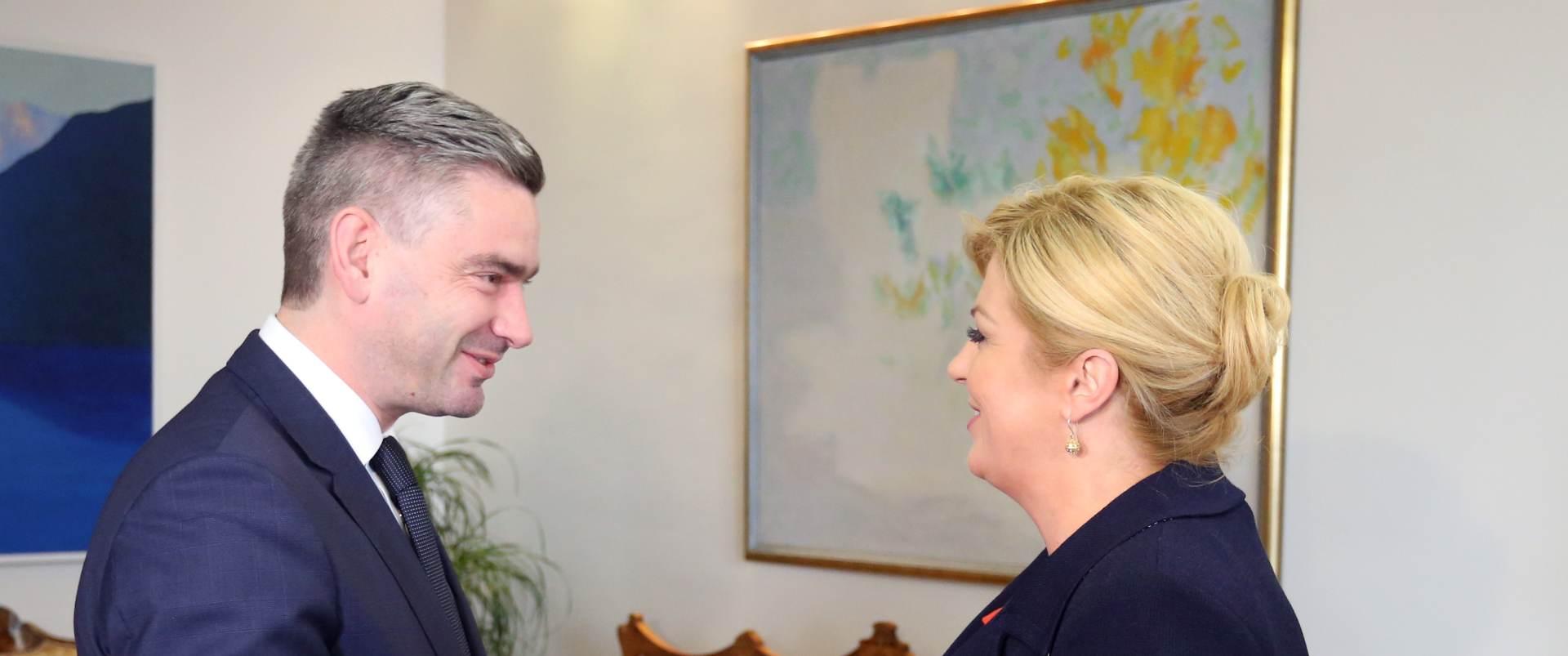 TRAŽI SE MANDATAR VLADE: Na Pantovčaku počele konzultacije