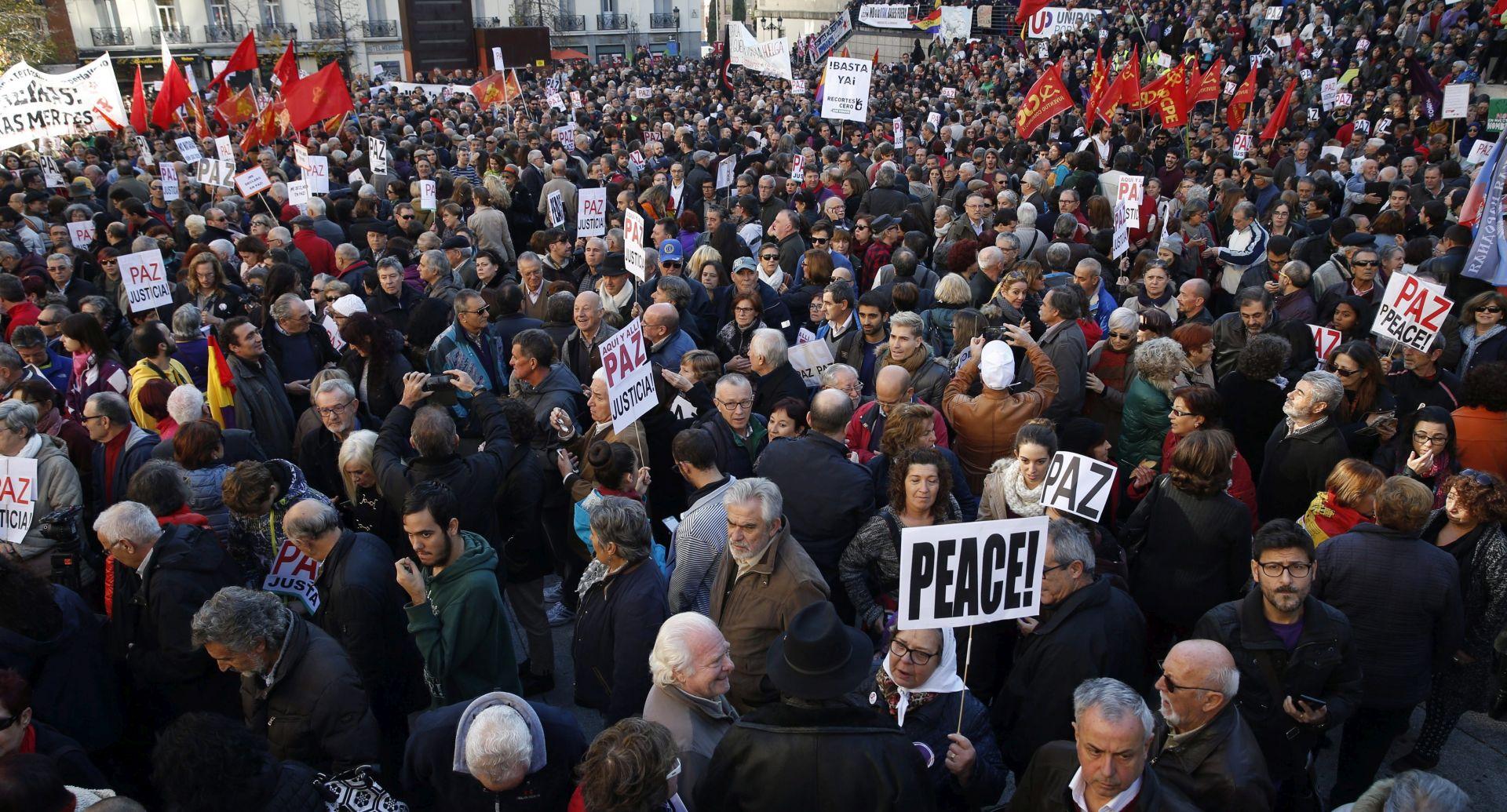 PROTIV INTERVENCIJE U SIRIJI: U Madridu tisuće prosvjednika