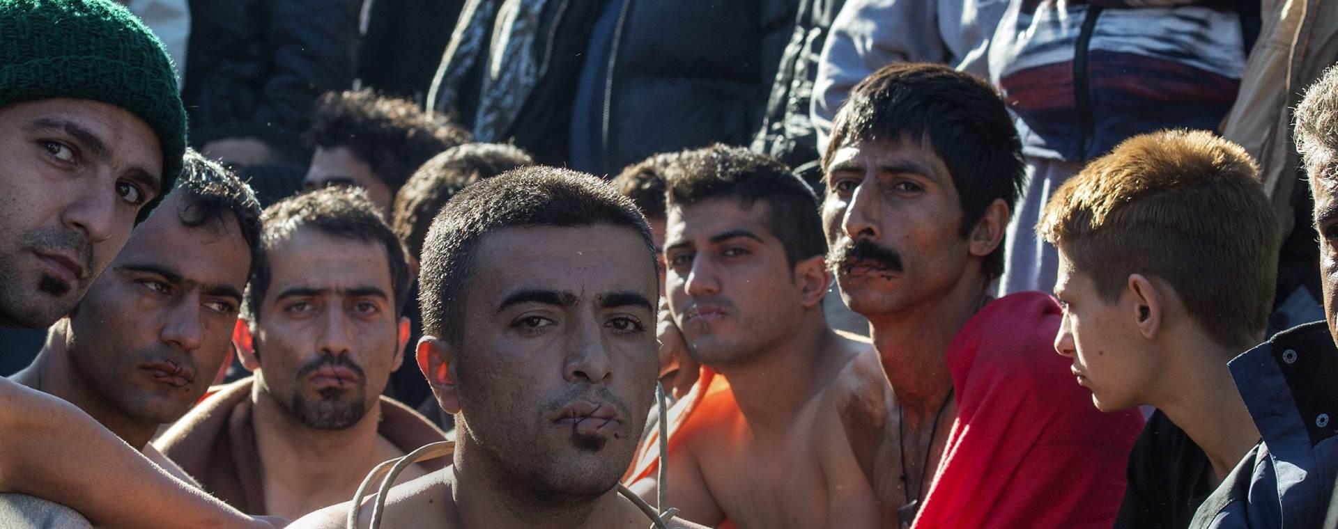 """NEZADOVOLJNI """"FILTRIRANJEM"""": Migranti blokirali željeznički promet na grčkoj granici s Makedonijom"""