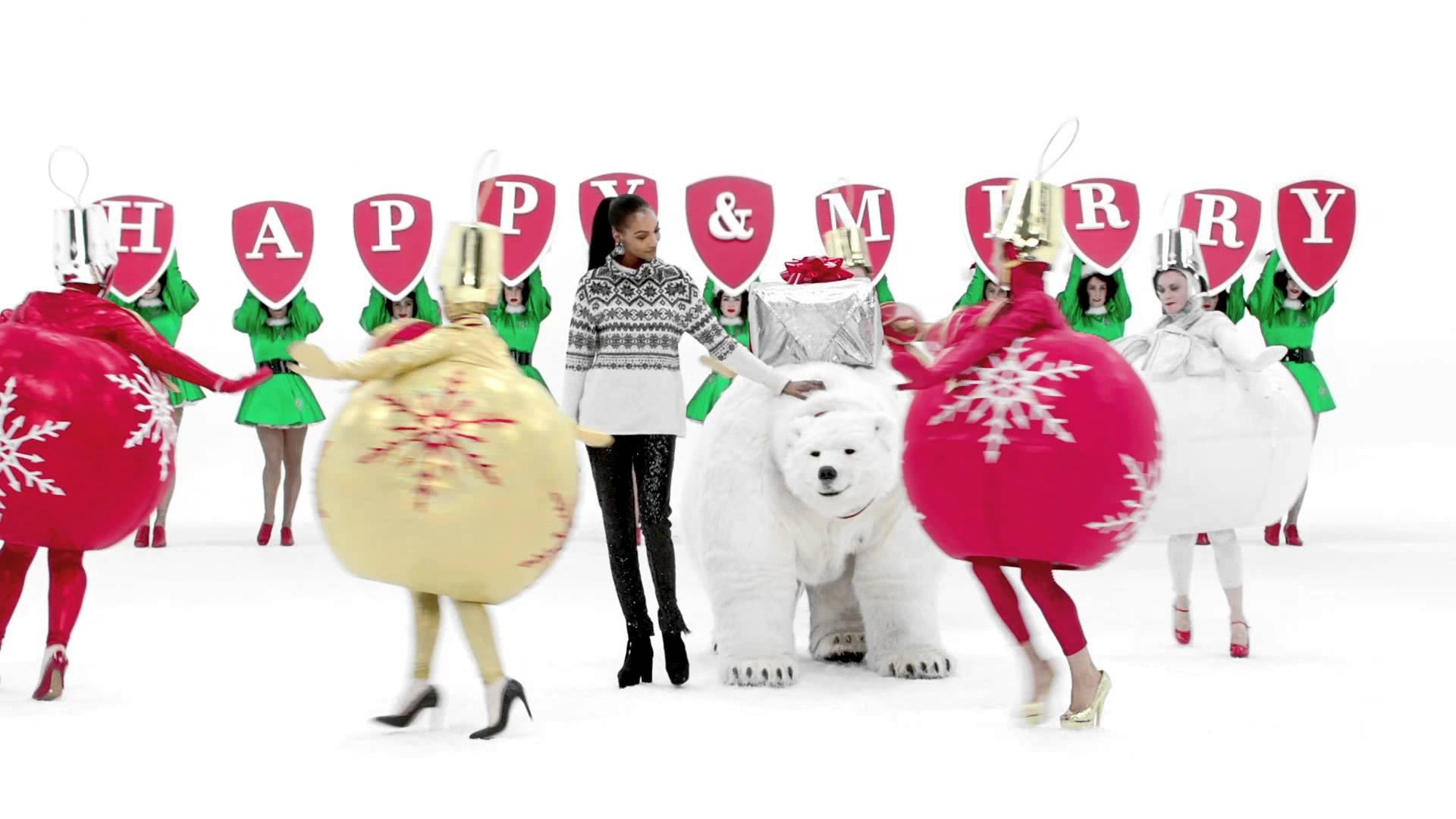 VIDEO: BLAGDANSKA KAMPANJA H&M-A Katy Perry u pomalo bizarnom božićnom spotu