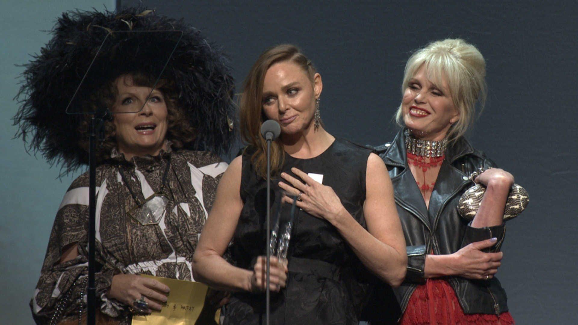 VIDEO: Pogledajmo tko je sve prošao crvenim tepihom British Fashion Awardsa 2015