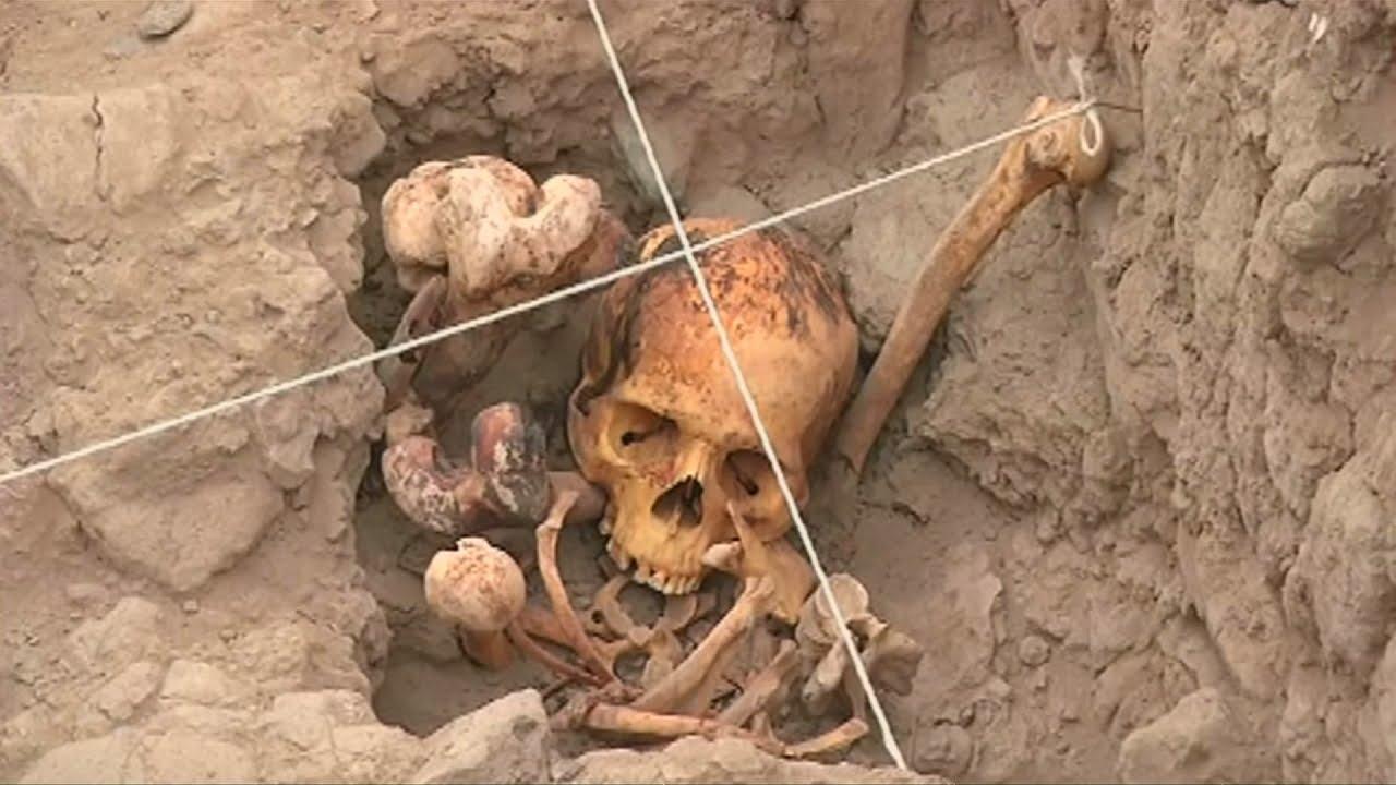 VIDEO: Na arheološkom nalazištu u gradu Limi otkrivena četiri kostura