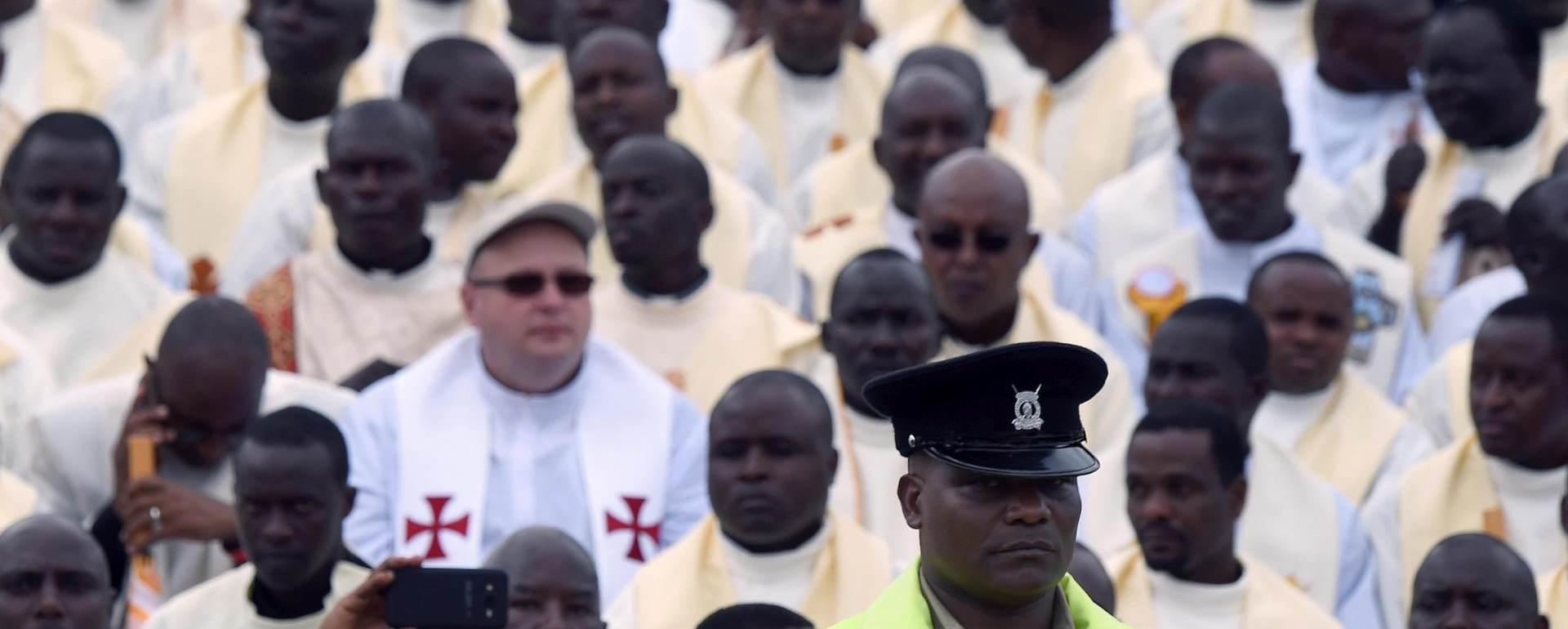 AFRIČKA TURNEJA: Papa kritizirao bogatu manjinu koja ne misli na napuštena predgrađa velegrada