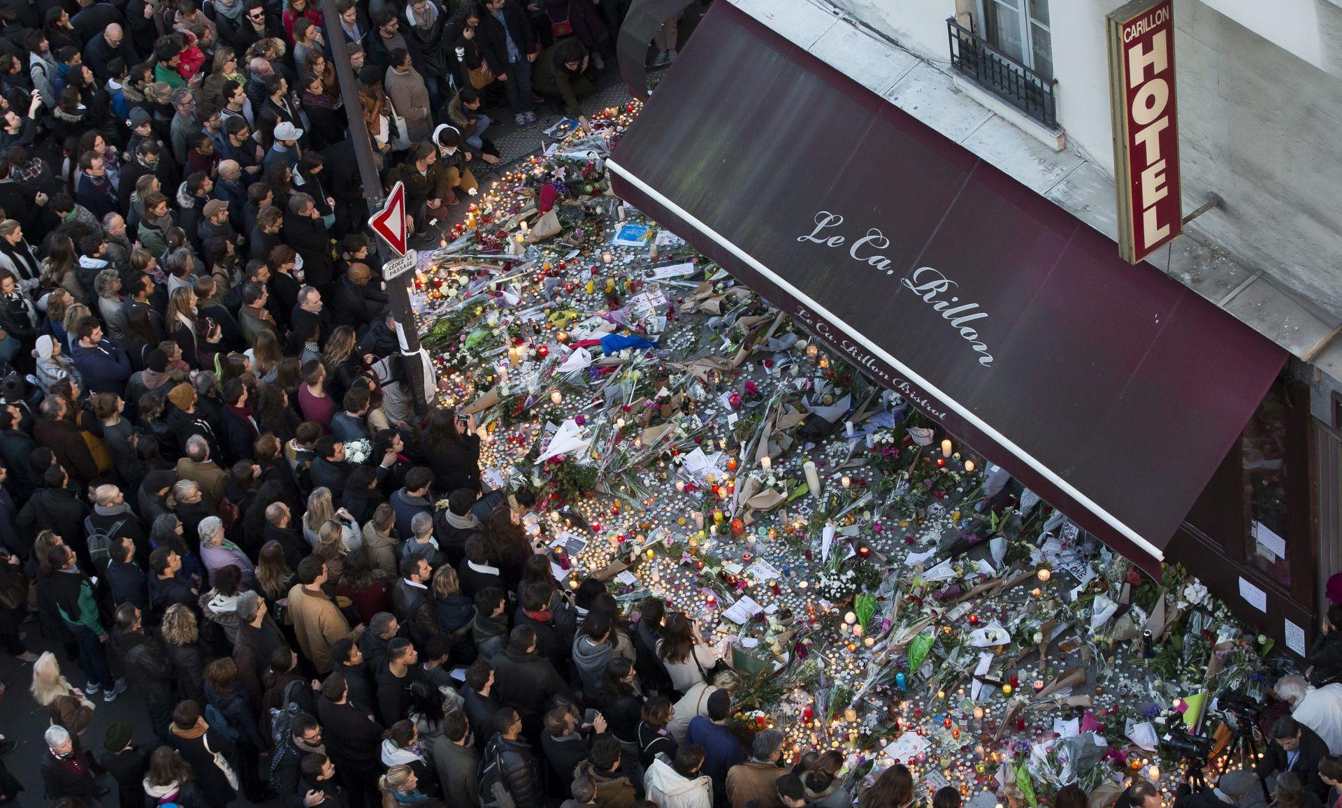 """""""DA, NASTRAN SAM I IDOLOPOKLONIK"""" : Izazovna sloboda kao odgovor na pariške napade"""
