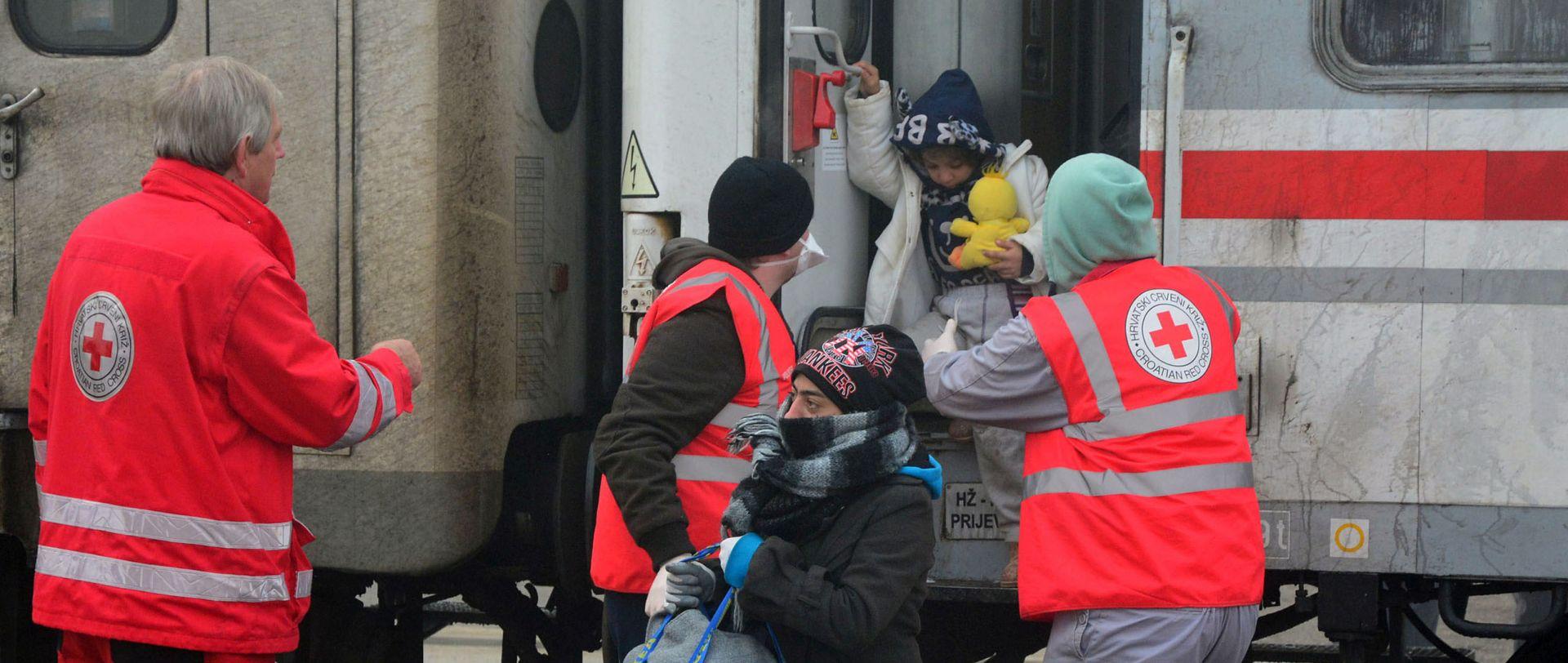 NOVO PRIHVATILIŠTE: U tranzitni centar u Slavonskom Brodu stigao prvi vlak iz Šida