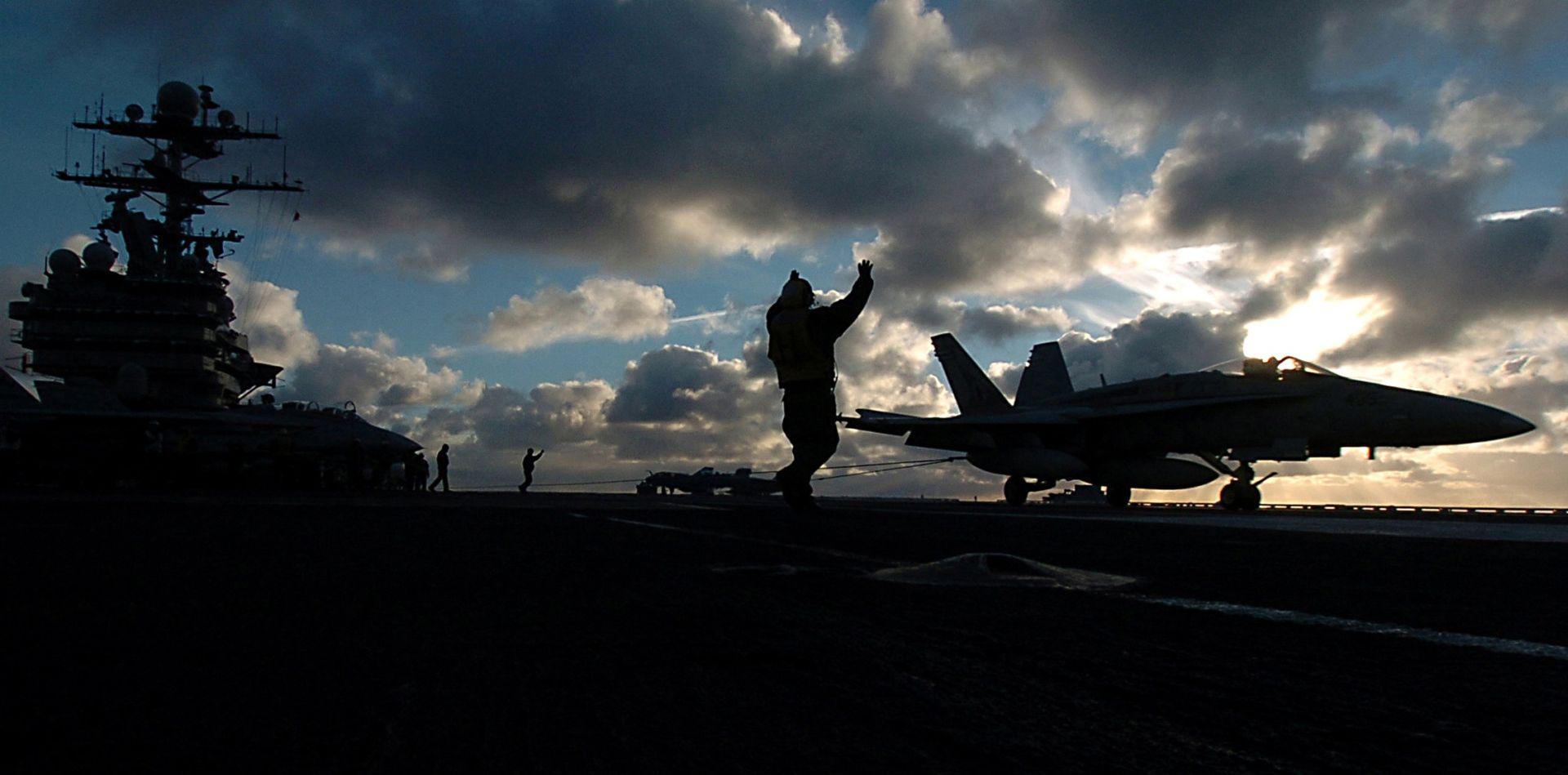 Francuska šalje najveći nosač zrakoplova u borbu protiv islamista u Siriji i Iraku