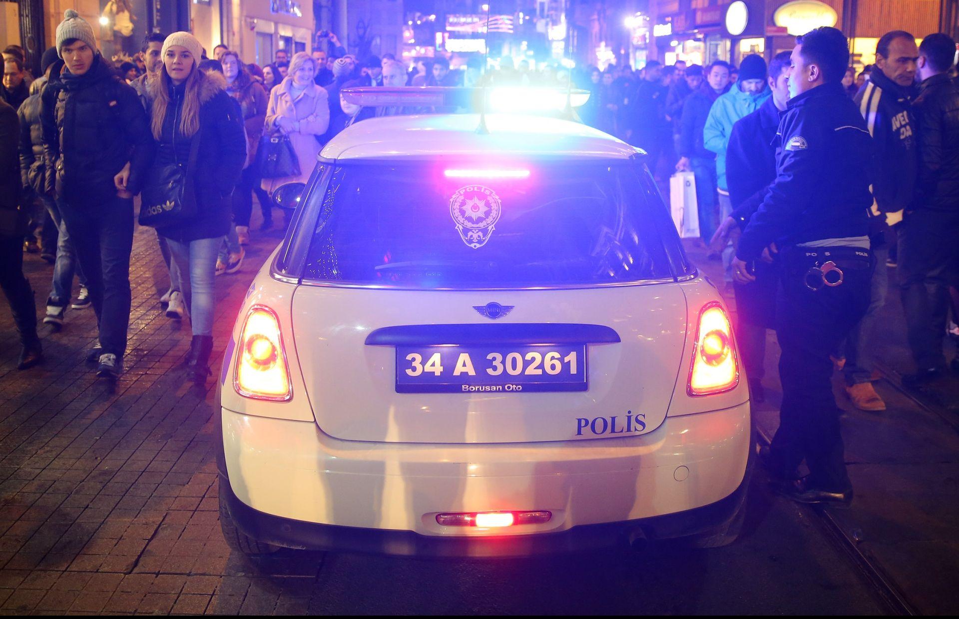 PREDSTAVLJALI SE KAO TURISTI: Turska uhitila osam navodnih pripadnika IS-a